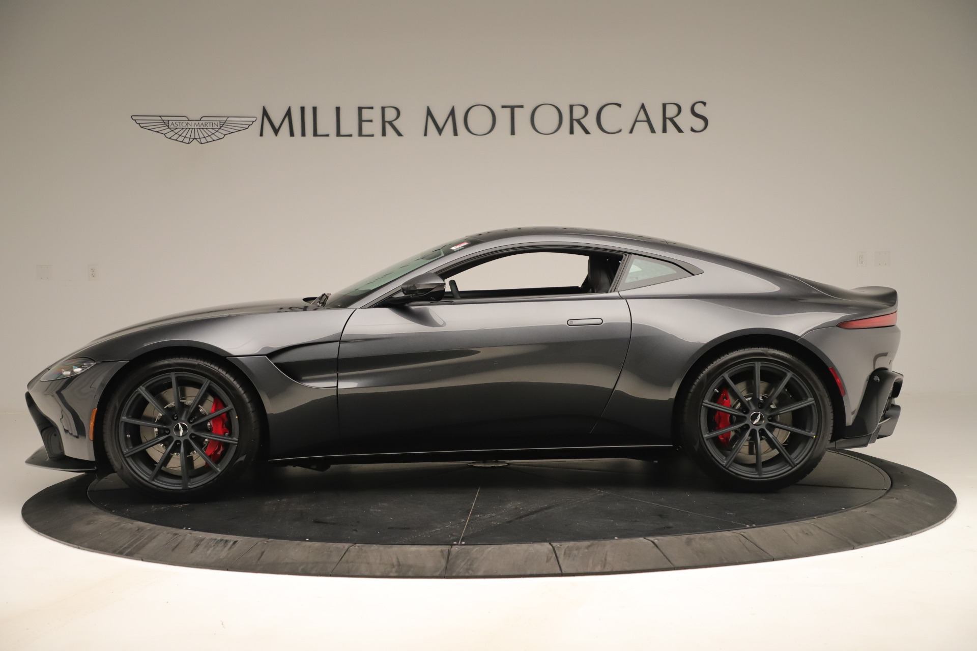 New 2020 Aston Martin Vantage  For Sale In Greenwich, CT 3394_p2