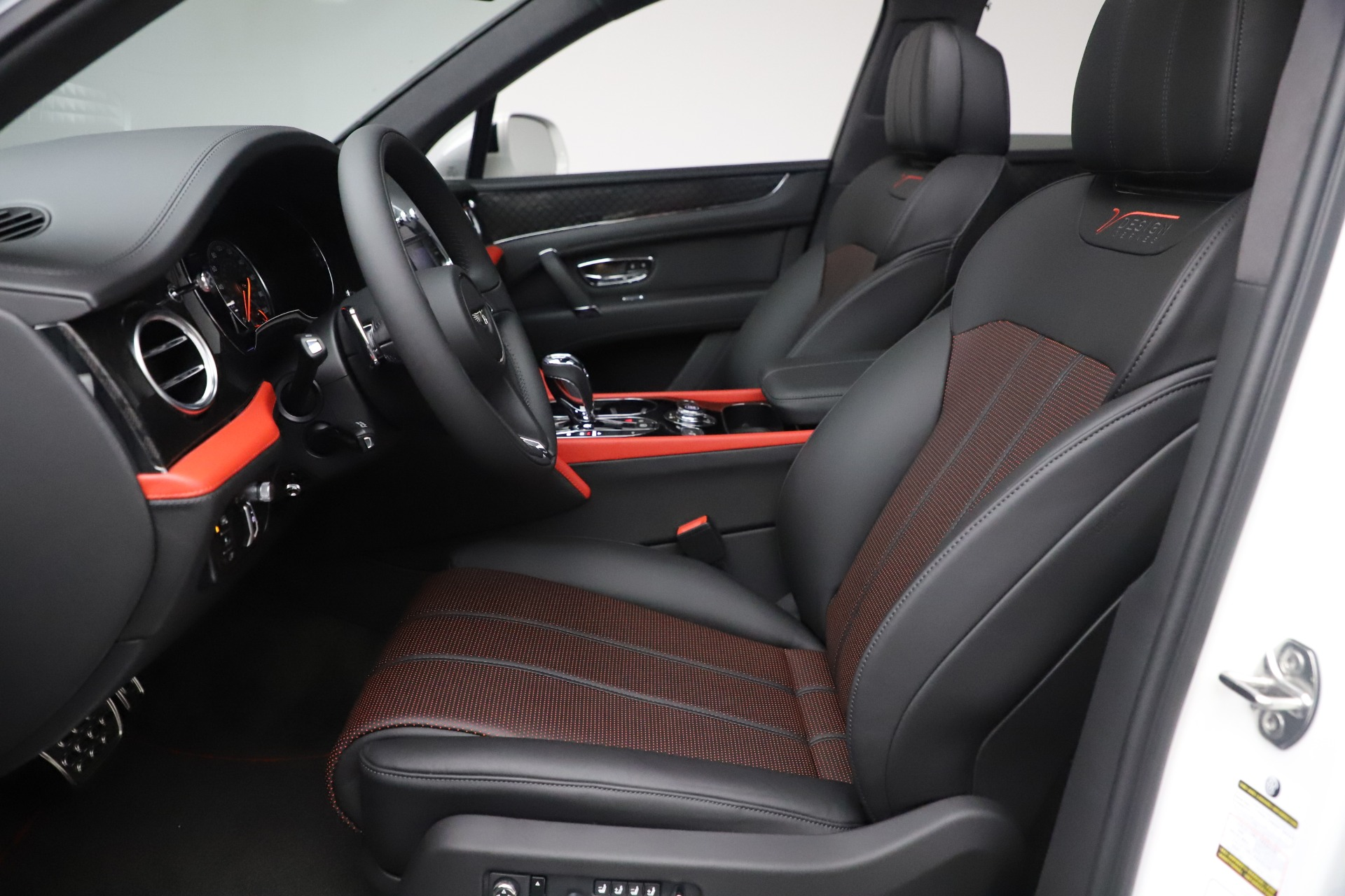 New 2020 Bentley Bentayga V8 Design Series For Sale In Greenwich, CT 3414_p26