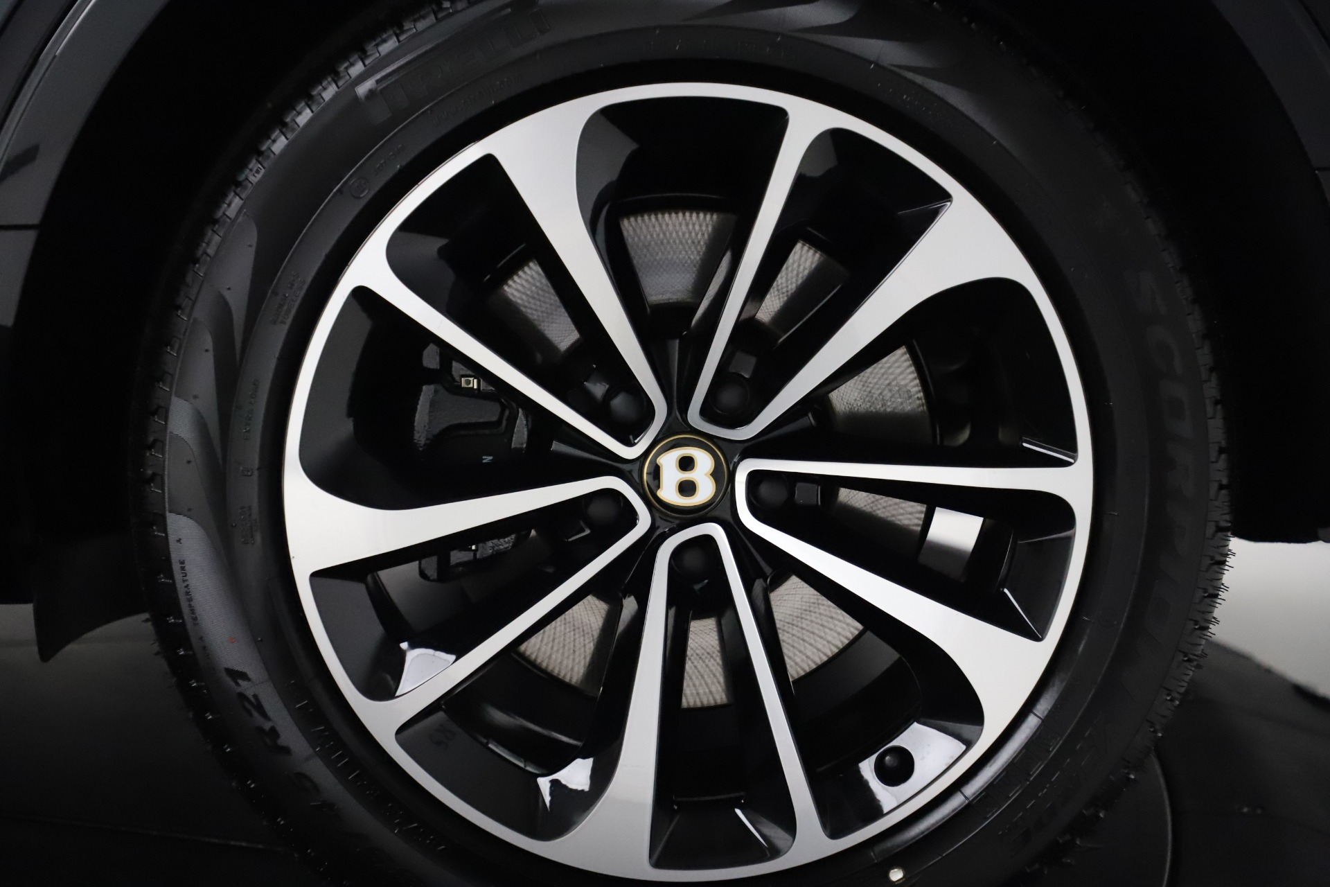 New 2020 Bentley Bentayga V8 For Sale In Greenwich, CT 3425_p15