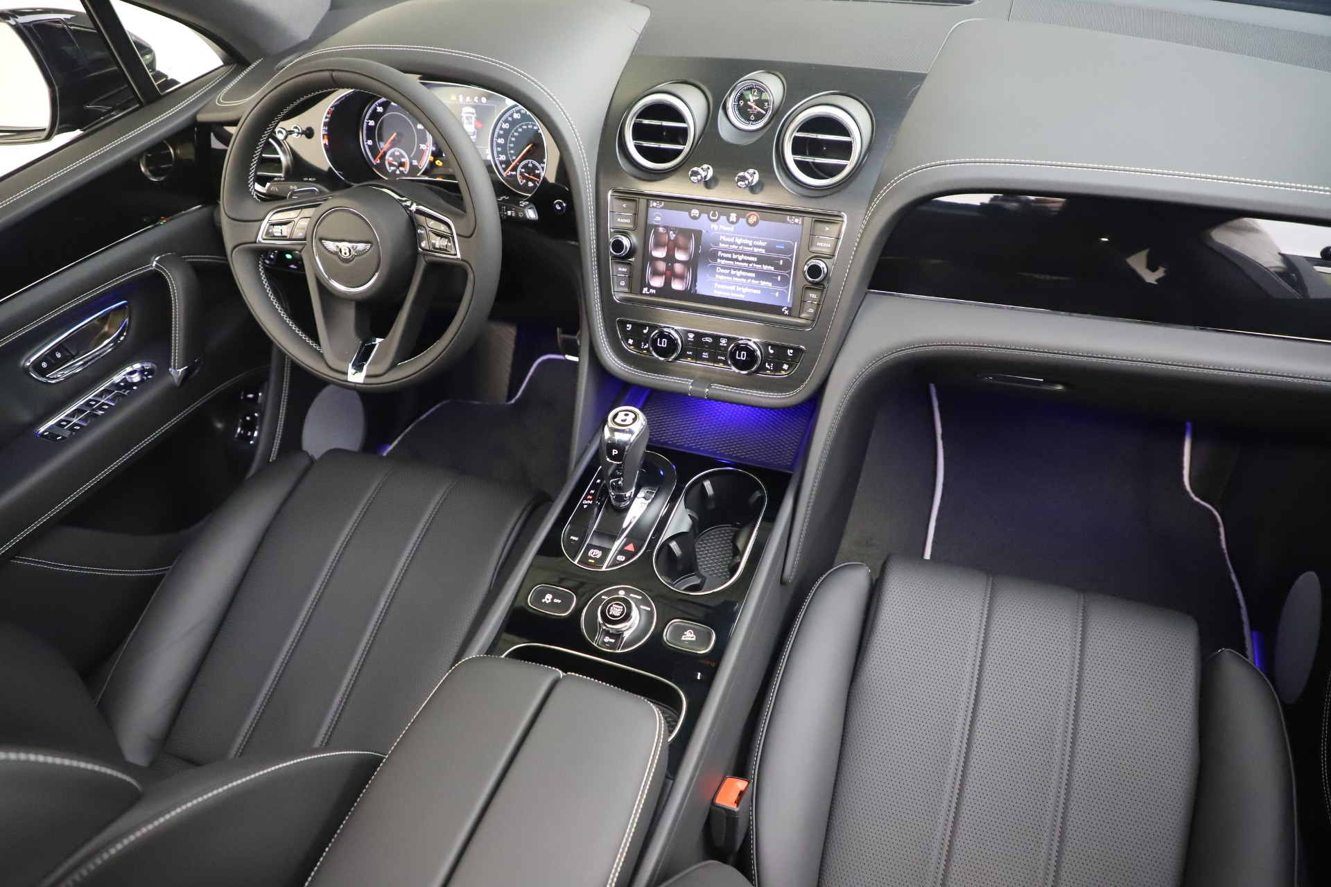 New 2020 Bentley Bentayga V8 For Sale In Greenwich, CT 3425_p23