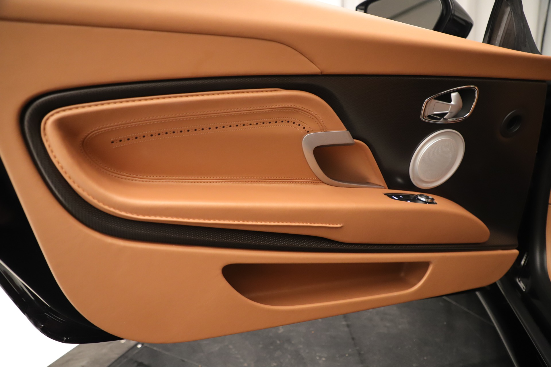 Used 2017 Aston Martin DB11 Launch Edition For Sale In Greenwich, CT 3431_p16