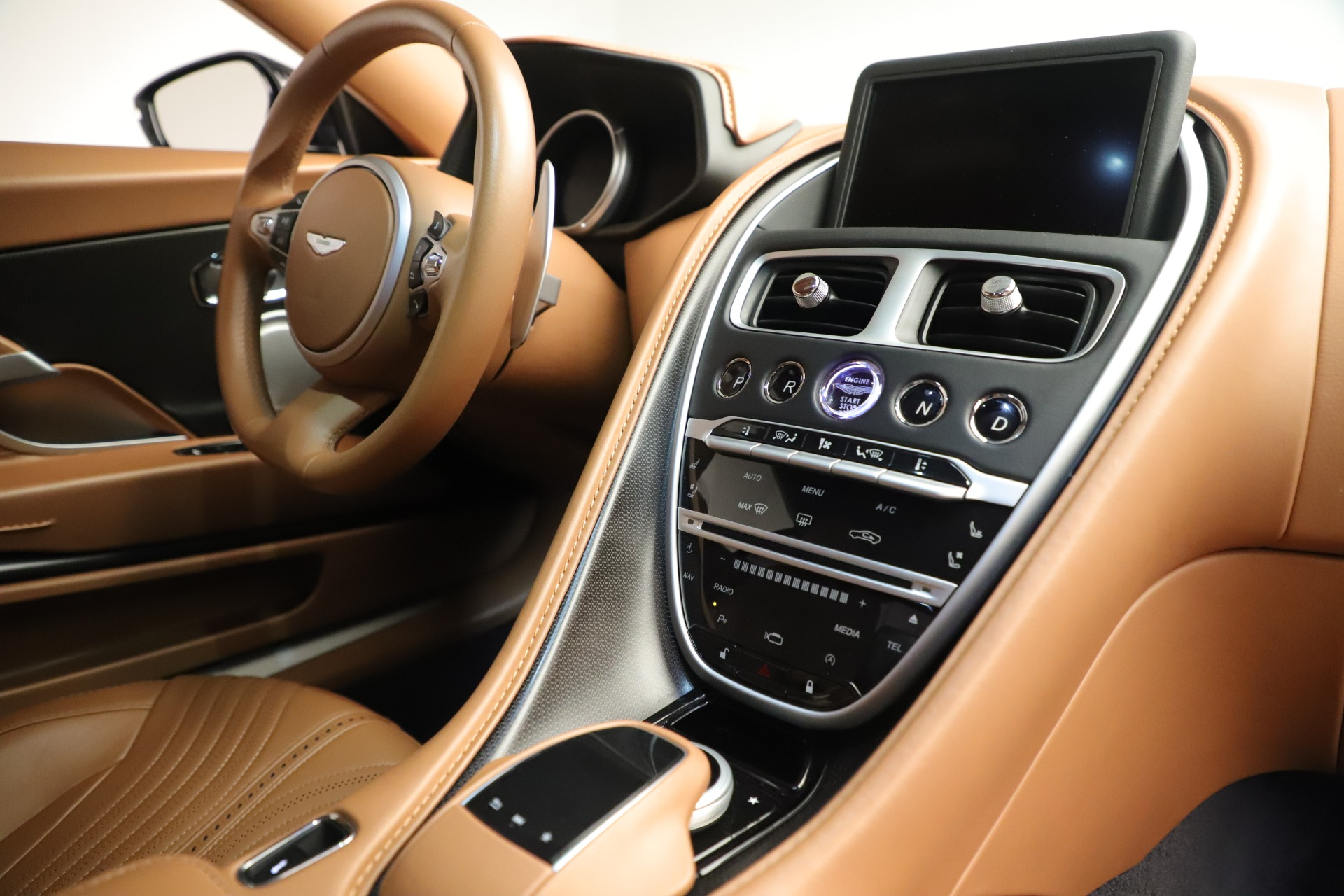 Used 2017 Aston Martin DB11 Launch Edition For Sale In Greenwich, CT 3431_p18