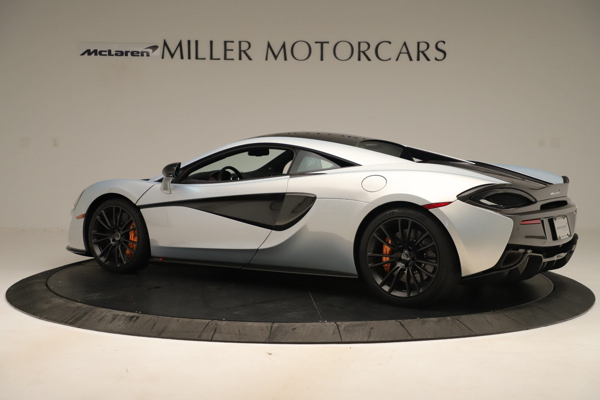 Used 2016 McLaren 570S Coupe For Sale In Greenwich, CT 3433_p3