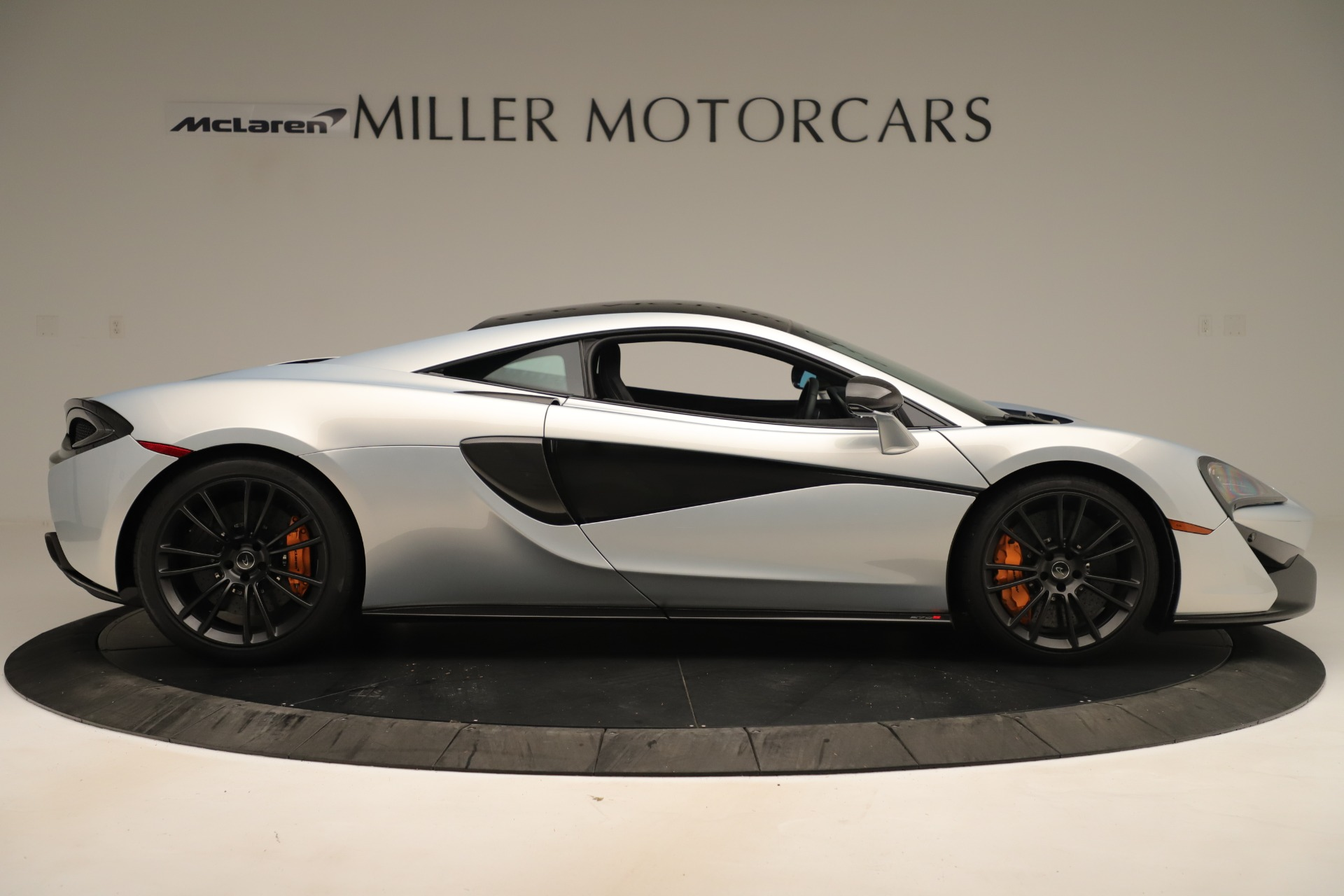 Used 2016 McLaren 570S Coupe For Sale In Greenwich, CT 3433_p8