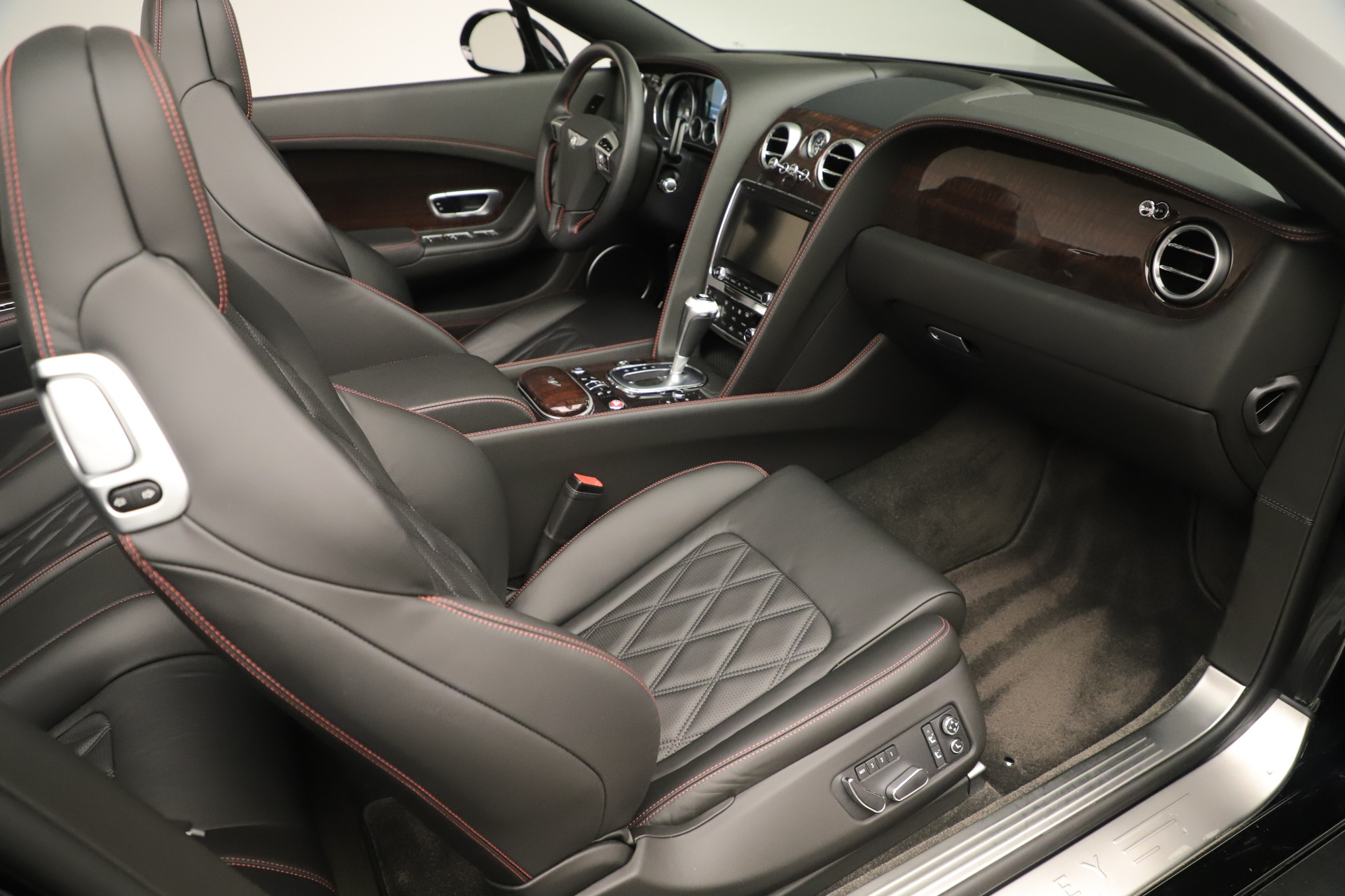 Used 2014 Bentley Continental GT V8 For Sale In Greenwich, CT 3435_p28