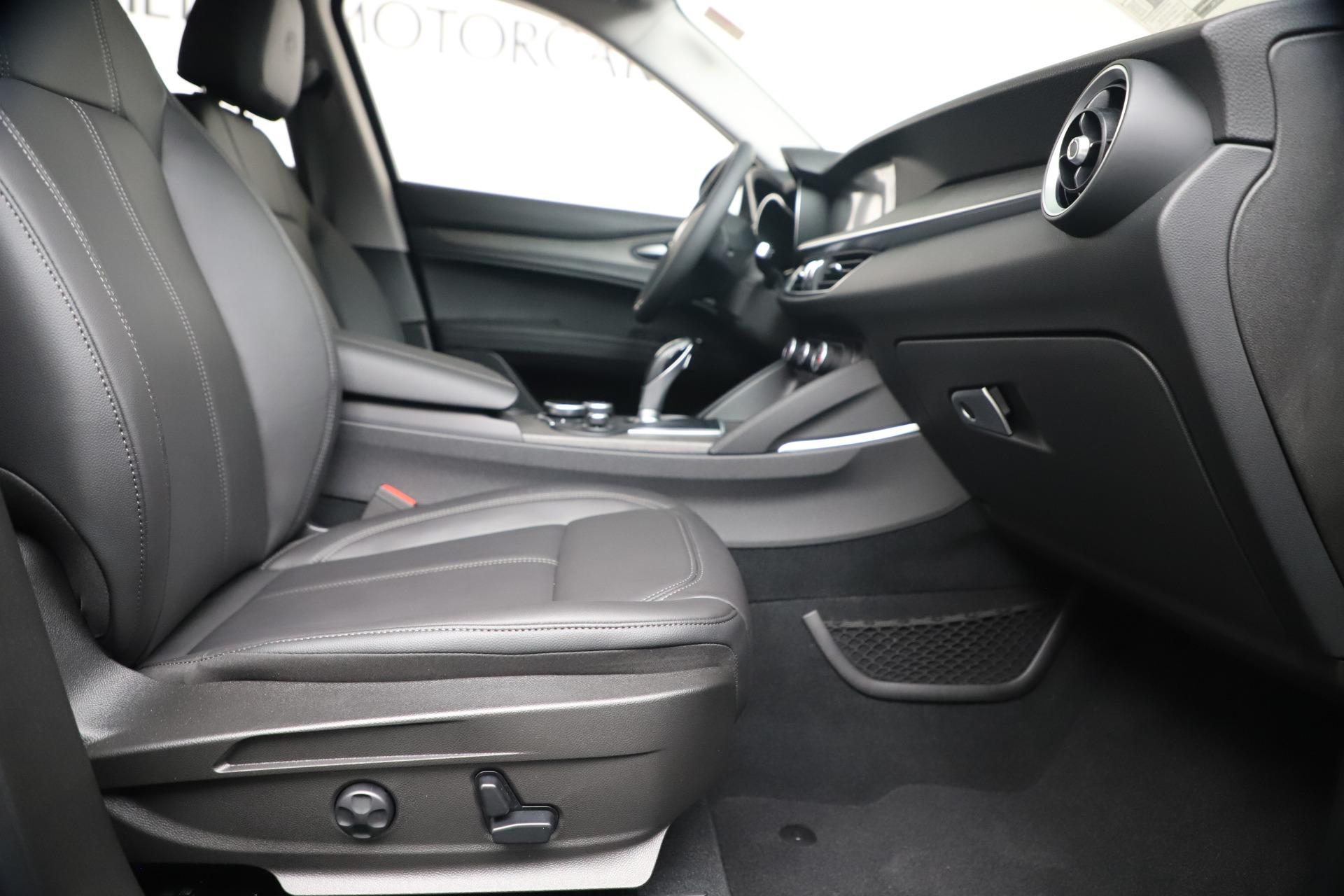 New 2019 Alfa Romeo Stelvio Ti Q4 For Sale In Greenwich, CT 3439_p23
