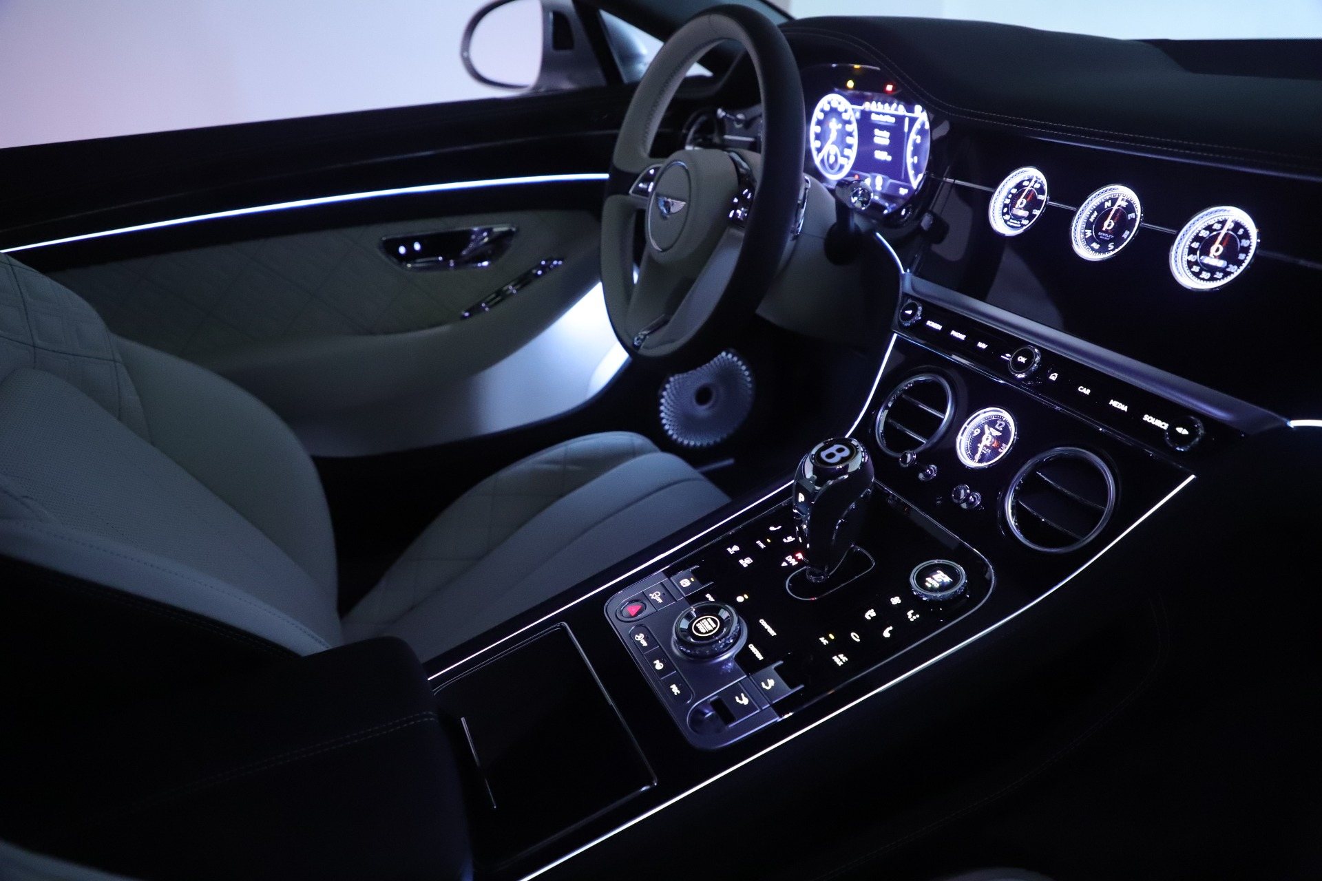 New 2020 Bentley Continental GT V8 First Edition For Sale In Greenwich, CT 3441_p32