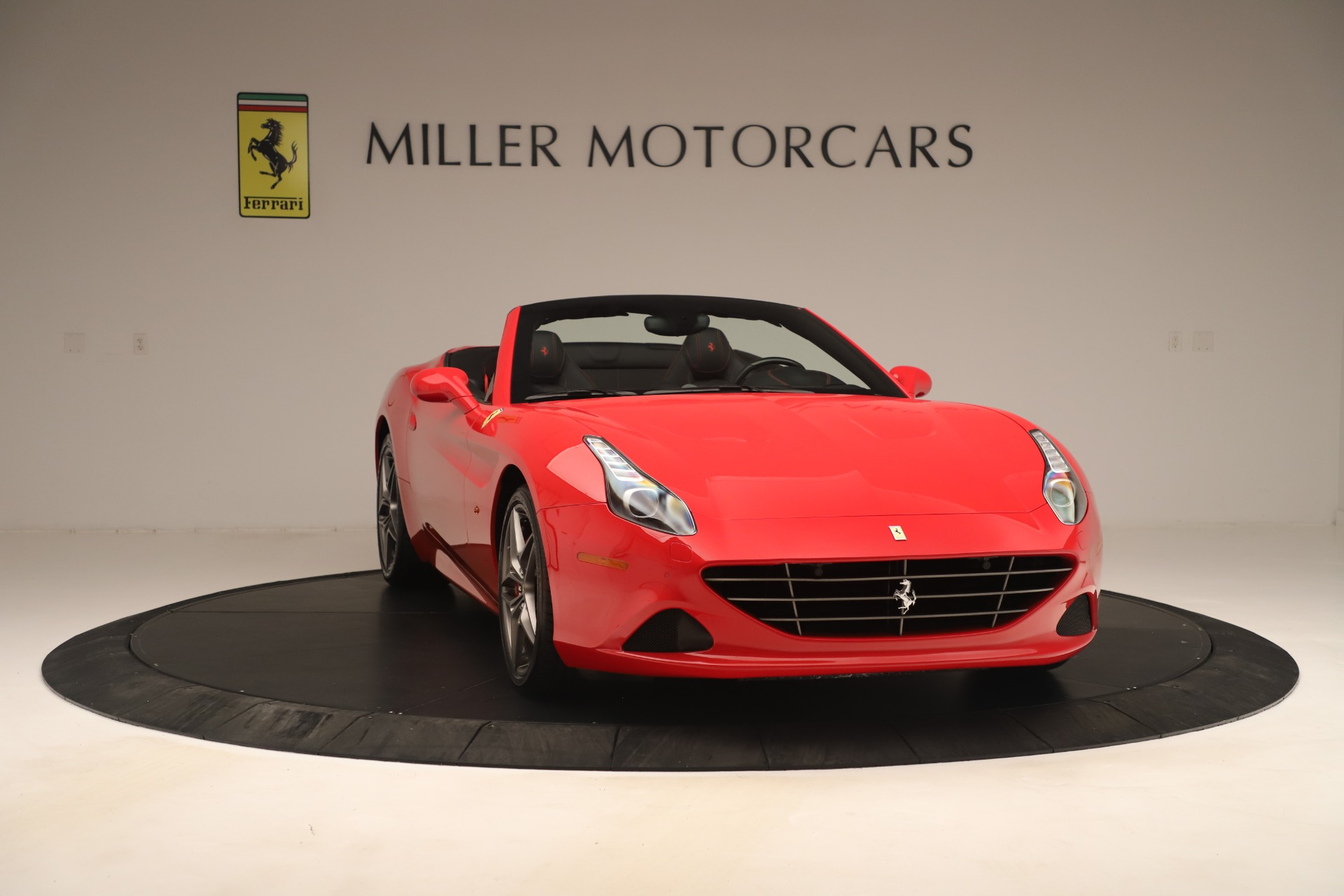 Used 2016 Ferrari California T  For Sale In Greenwich, CT 3446_p11