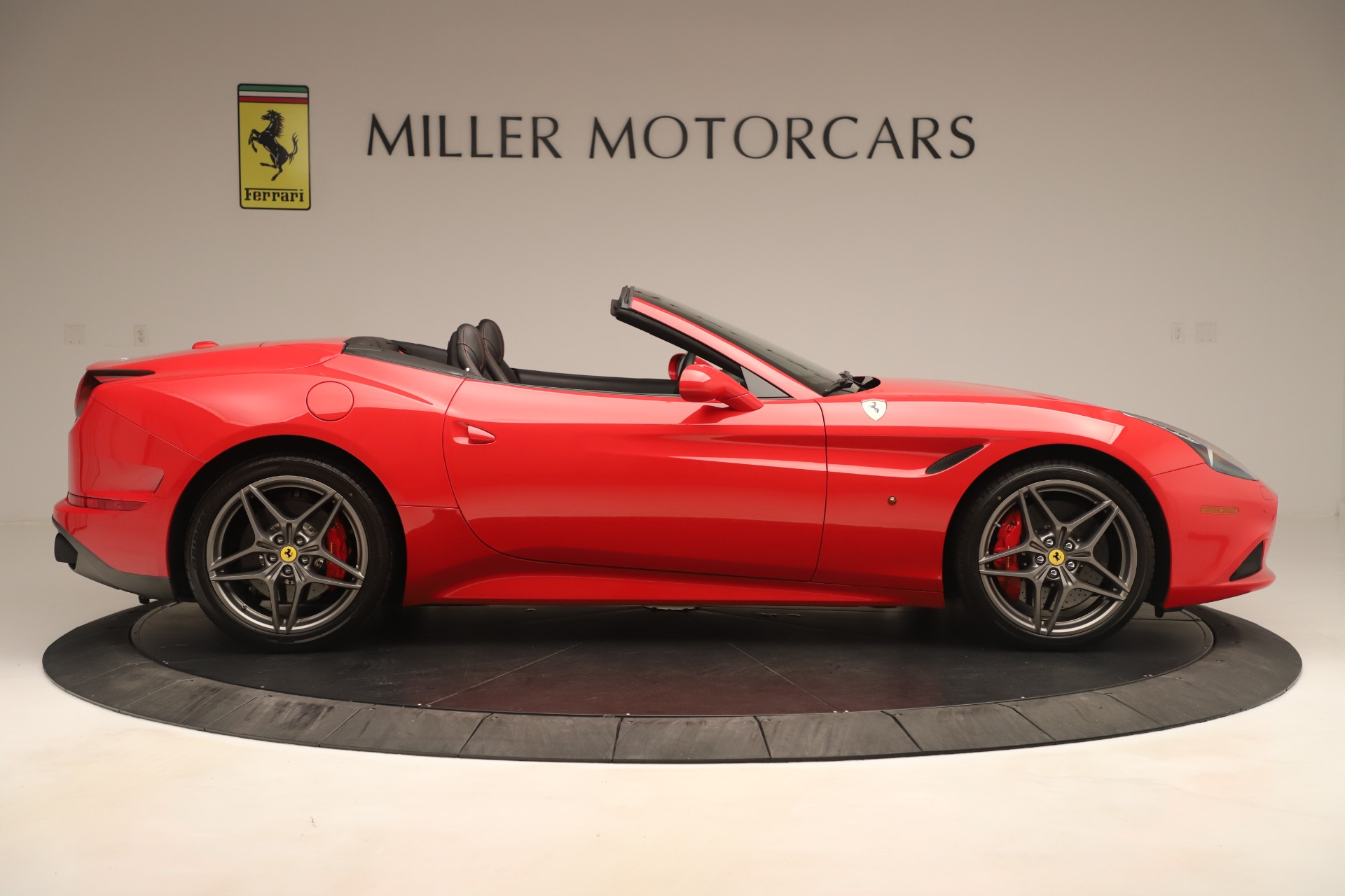 Used 2016 Ferrari California T  For Sale In Greenwich, CT 3446_p9