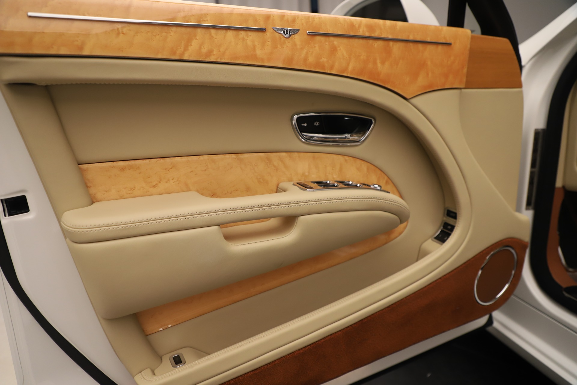 Used 2016 Bentley Mulsanne  For Sale In Greenwich, CT 3461_p16