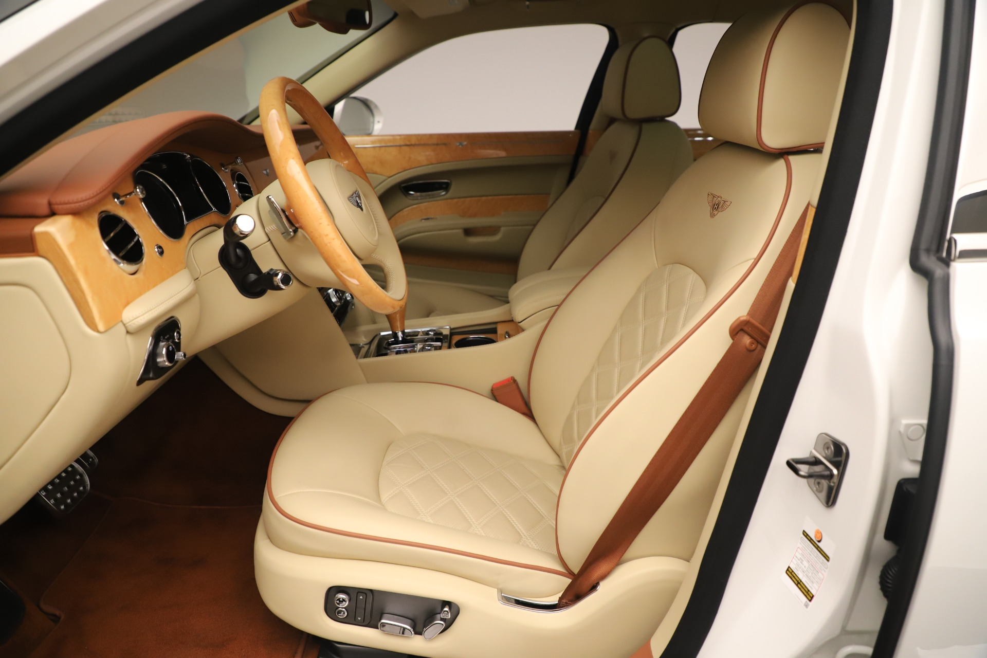 Used 2016 Bentley Mulsanne  For Sale In Greenwich, CT 3461_p19