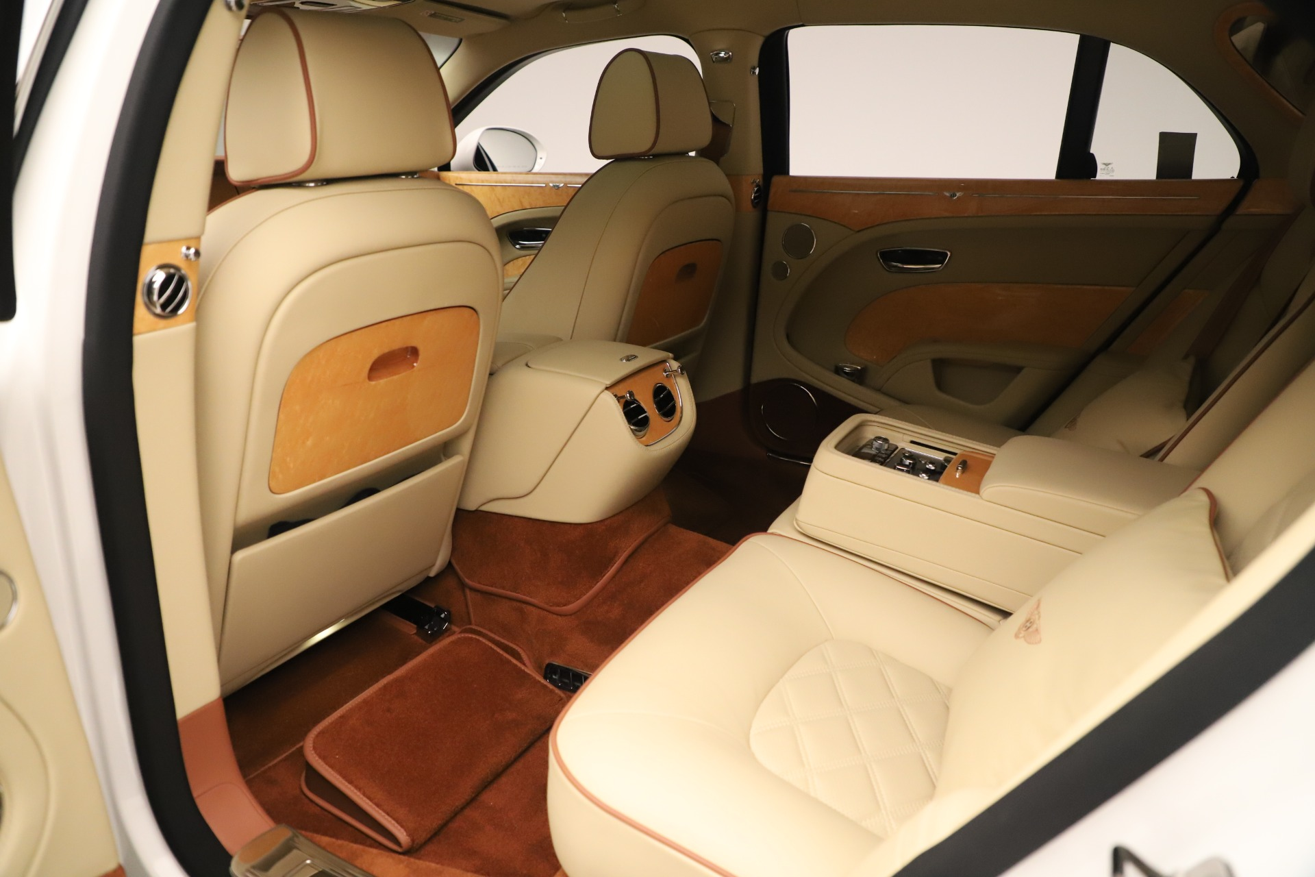 Used 2016 Bentley Mulsanne  For Sale In Greenwich, CT 3461_p23