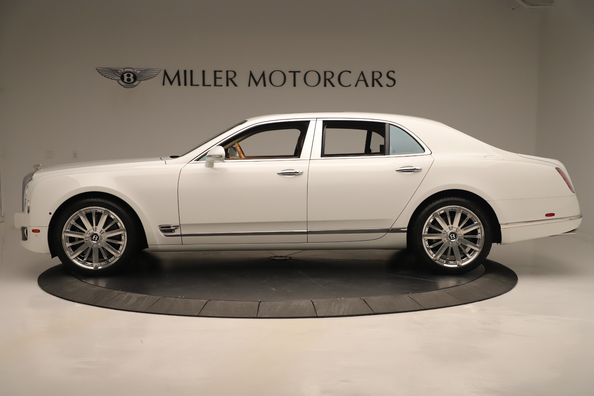 Used 2016 Bentley Mulsanne  For Sale In Greenwich, CT 3461_p3