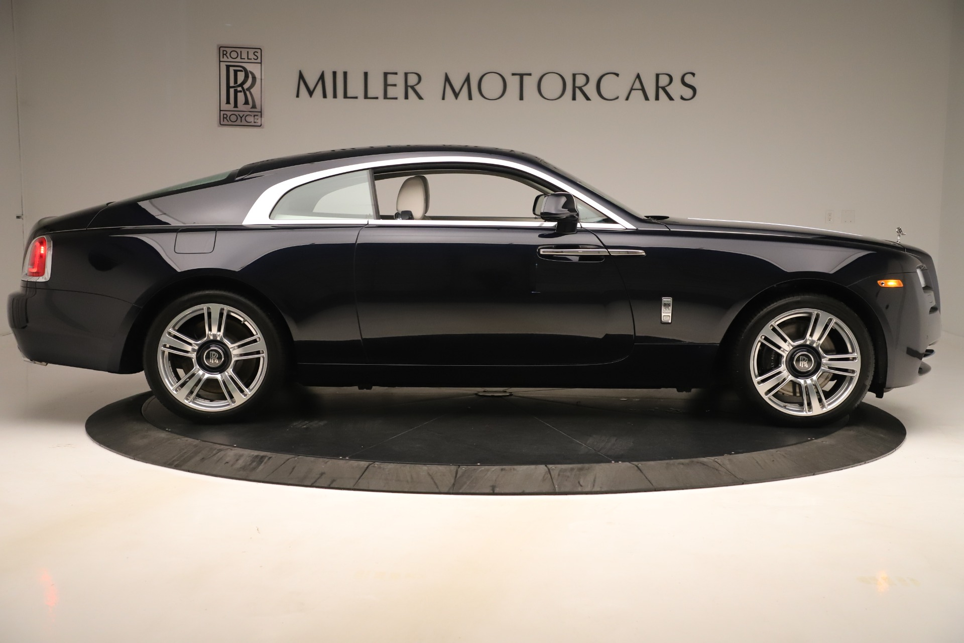 Used 2015 Rolls-Royce Wraith  For Sale In Greenwich, CT 3473_p10