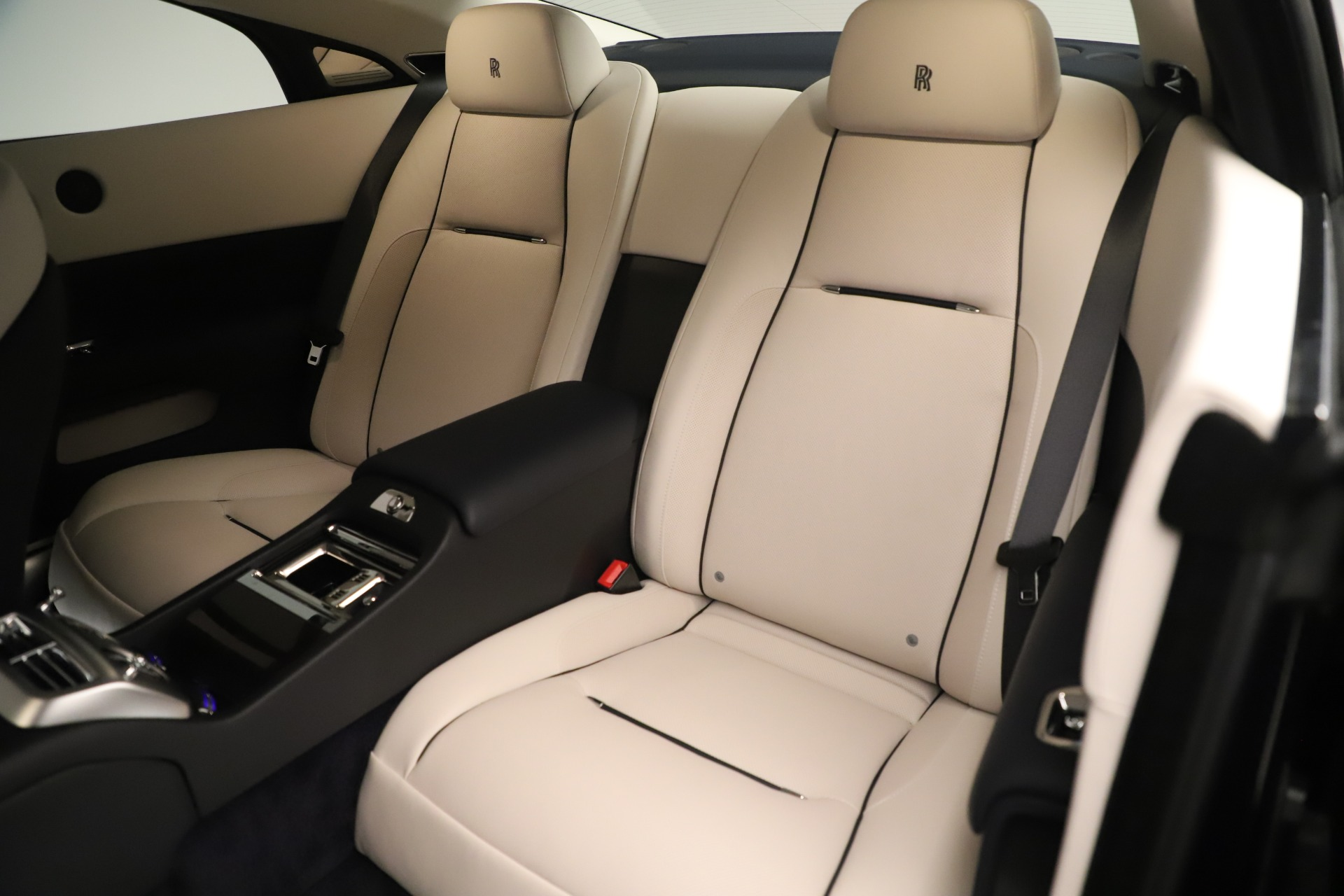 Used 2015 Rolls-Royce Wraith  For Sale In Greenwich, CT 3473_p16