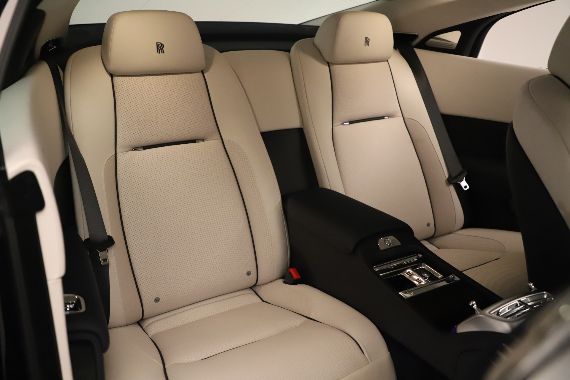 Used 2015 Rolls-Royce Wraith  For Sale In Greenwich, CT 3473_p17