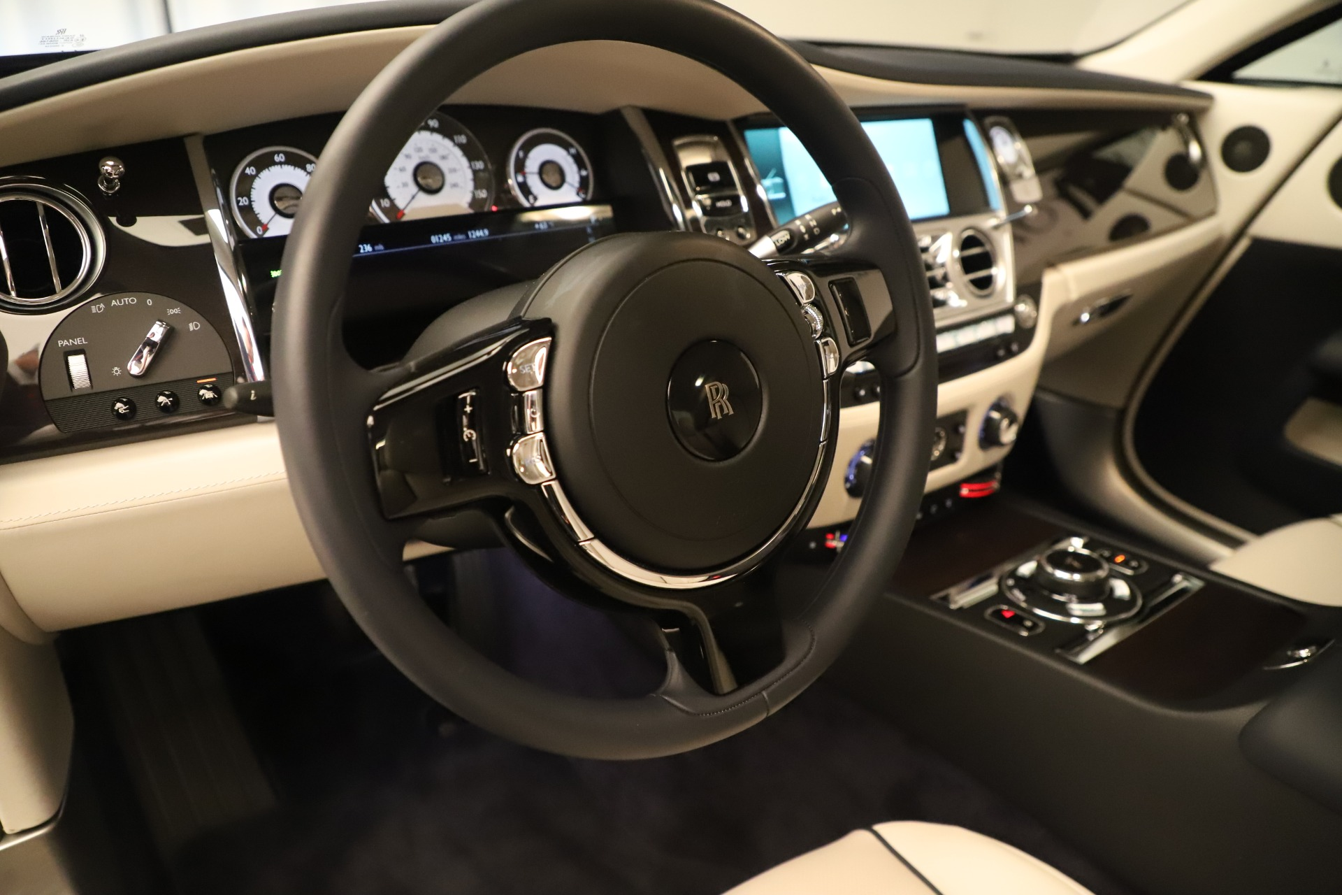 Used 2015 Rolls-Royce Wraith  For Sale In Greenwich, CT 3473_p19