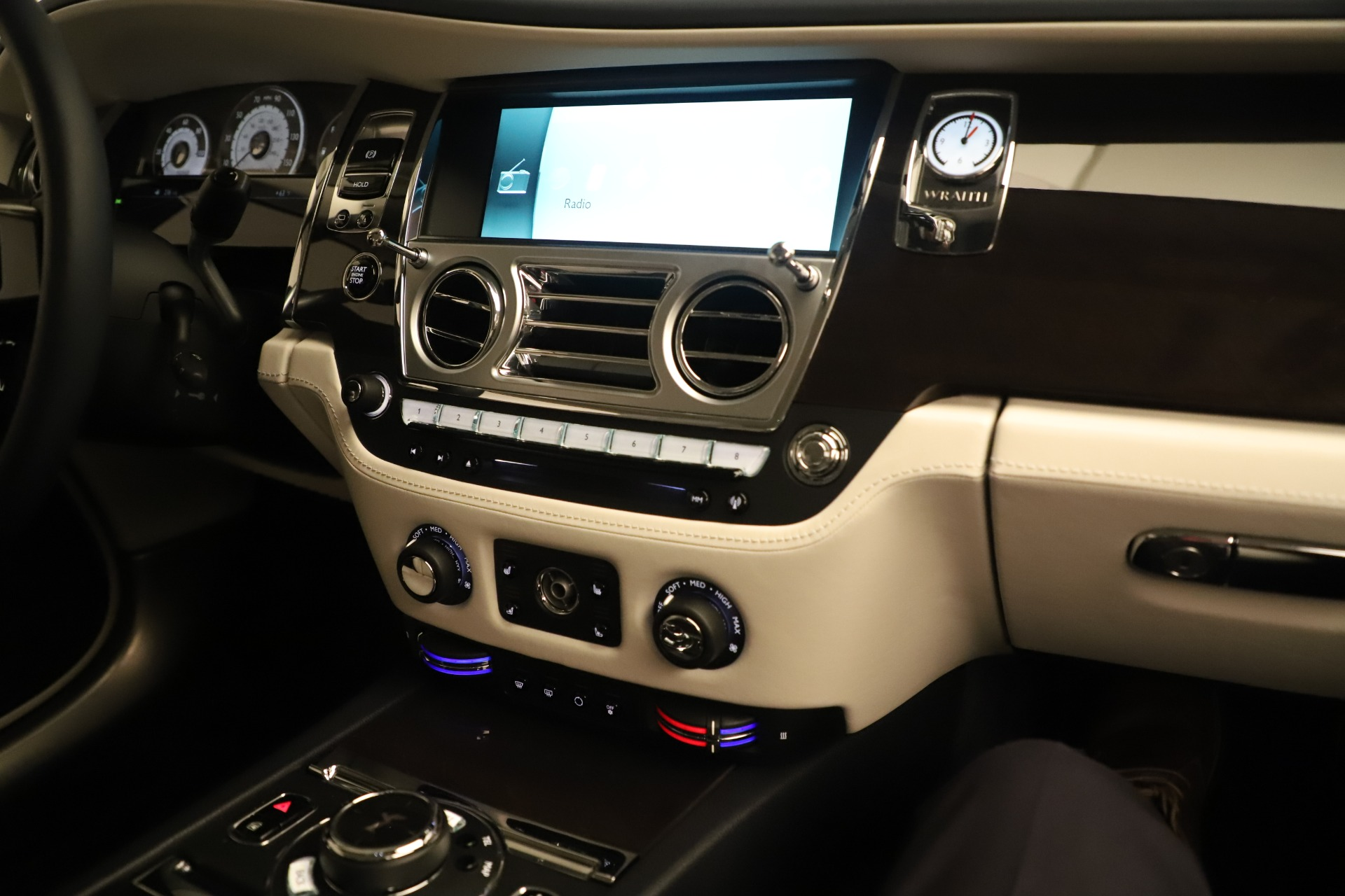 Used 2015 Rolls-Royce Wraith  For Sale In Greenwich, CT 3473_p24