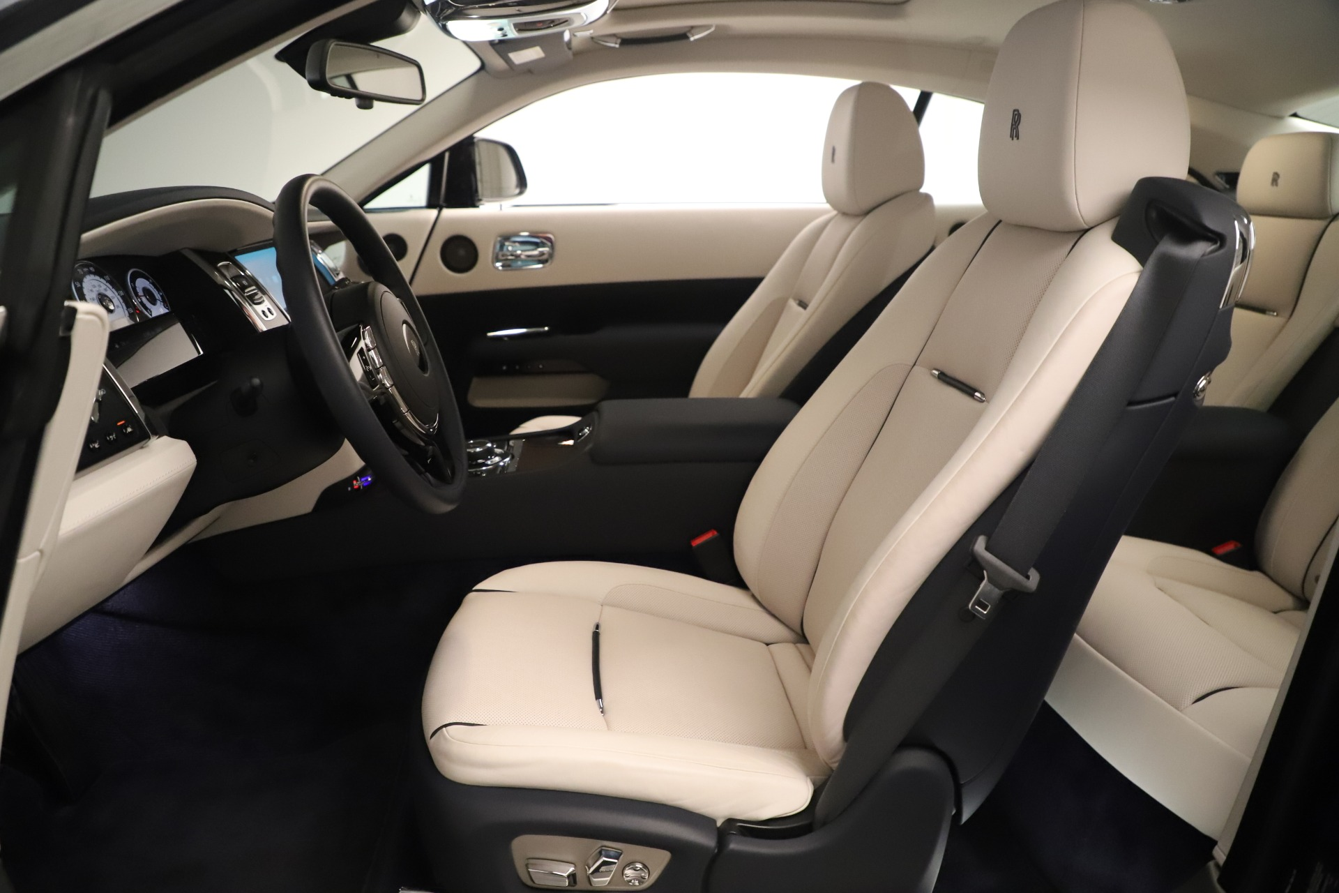 Used 2015 Rolls-Royce Wraith  For Sale In Greenwich, CT 3473_p25