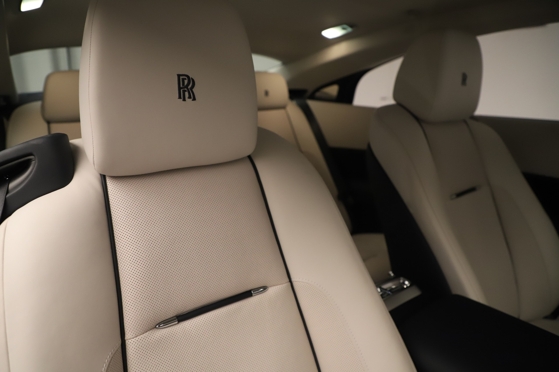Used 2015 Rolls-Royce Wraith  For Sale In Greenwich, CT 3473_p29