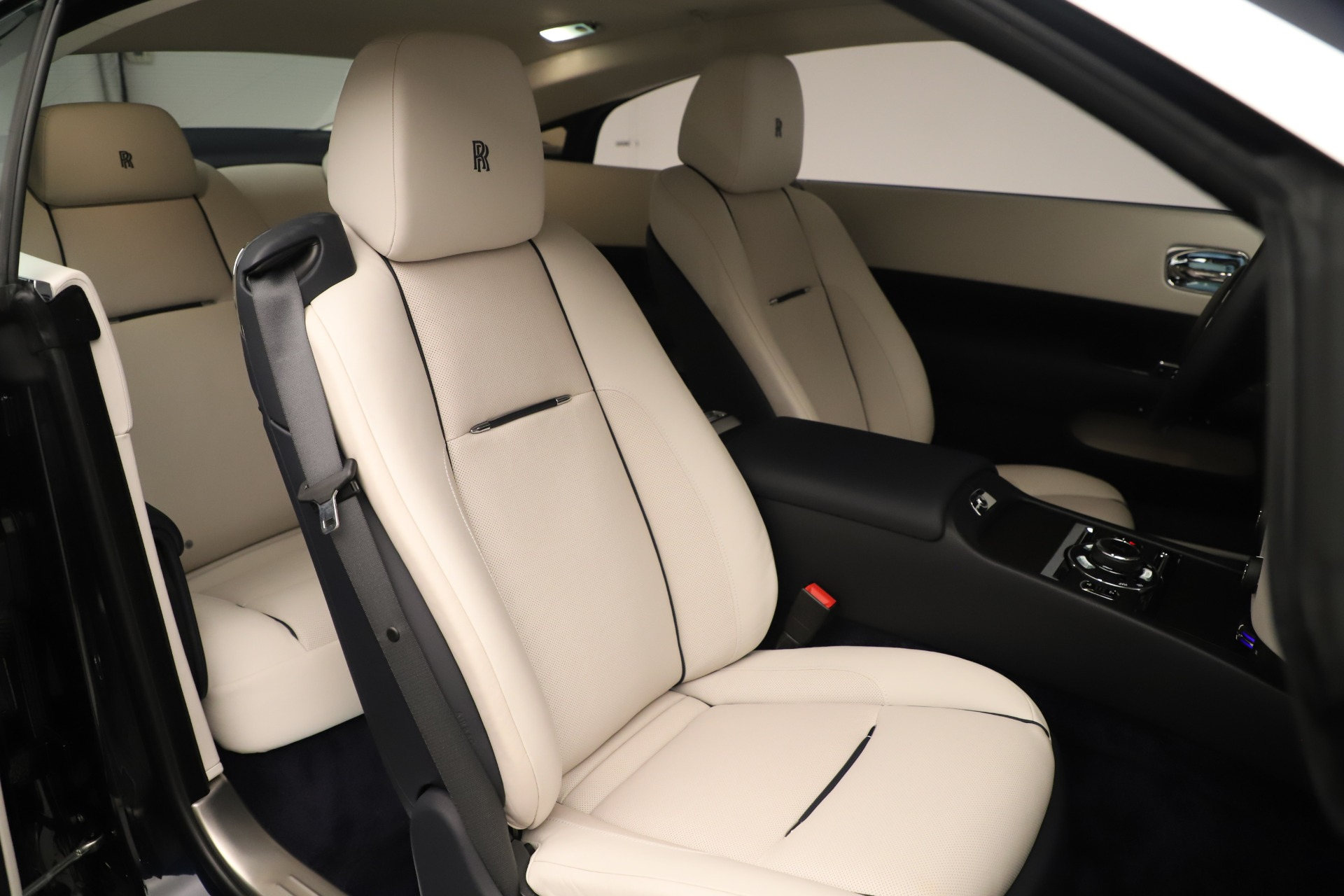 Used 2015 Rolls-Royce Wraith  For Sale In Greenwich, CT 3473_p30