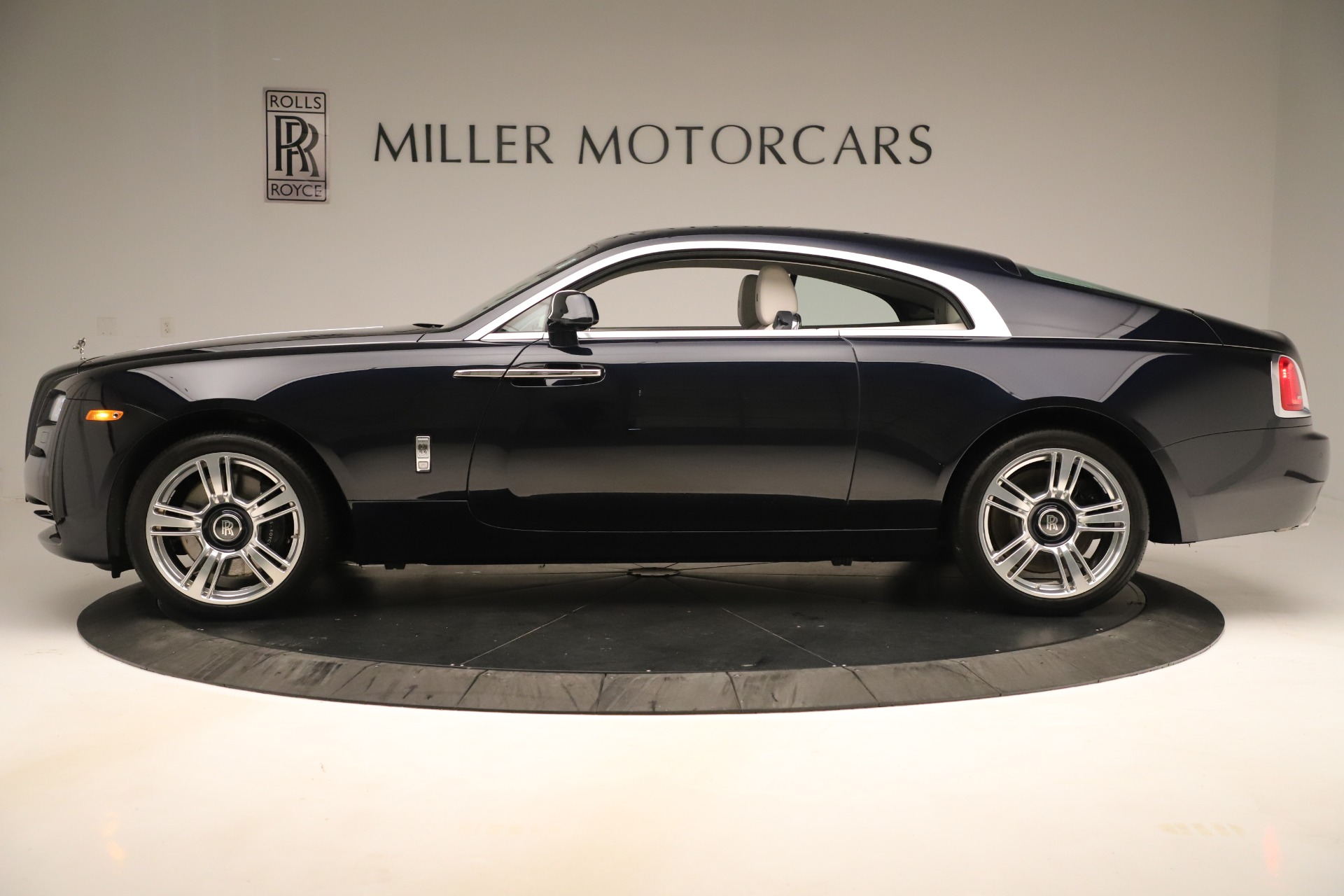 Used 2015 Rolls-Royce Wraith  For Sale In Greenwich, CT 3473_p4
