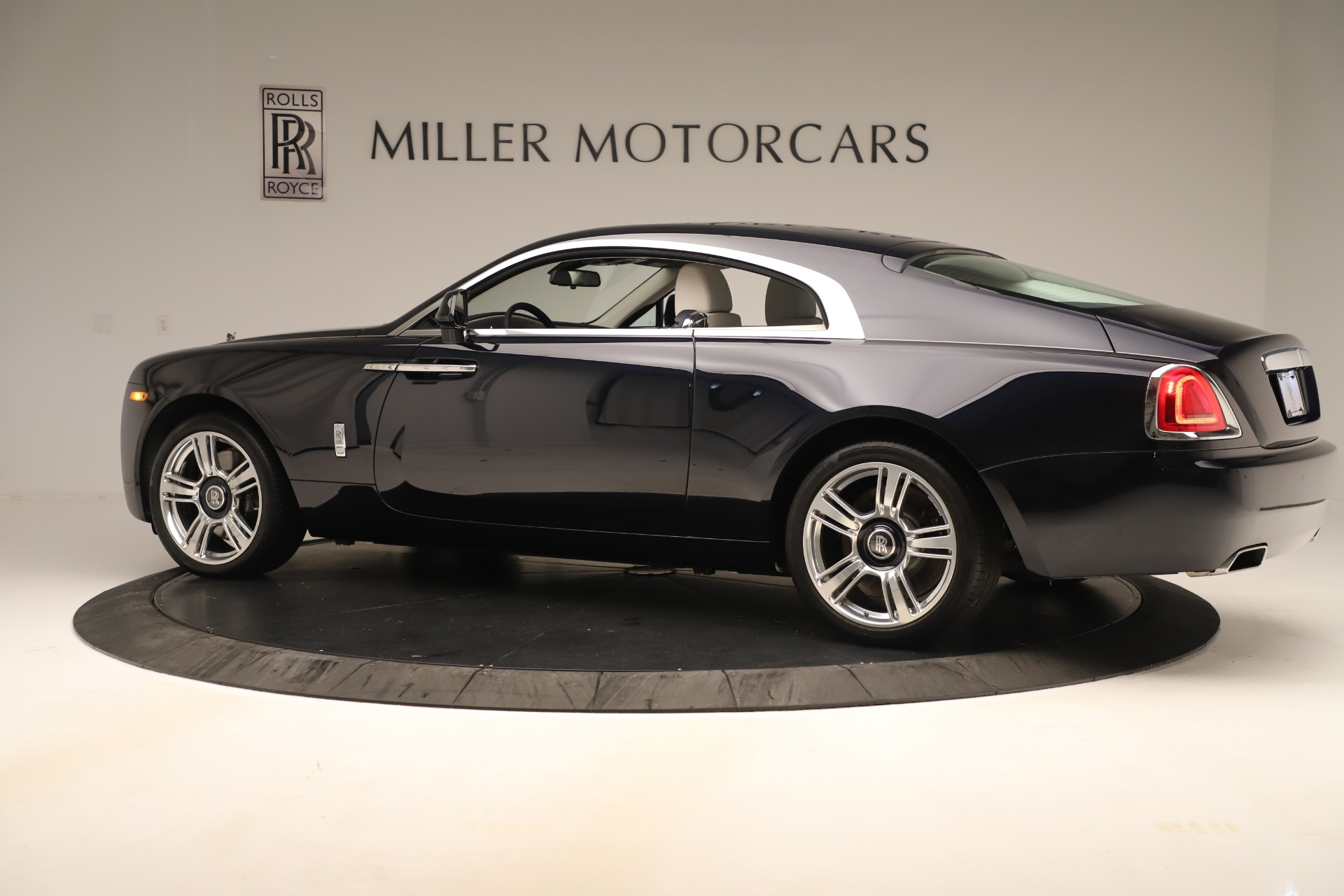 Used 2015 Rolls-Royce Wraith  For Sale In Greenwich, CT 3473_p5