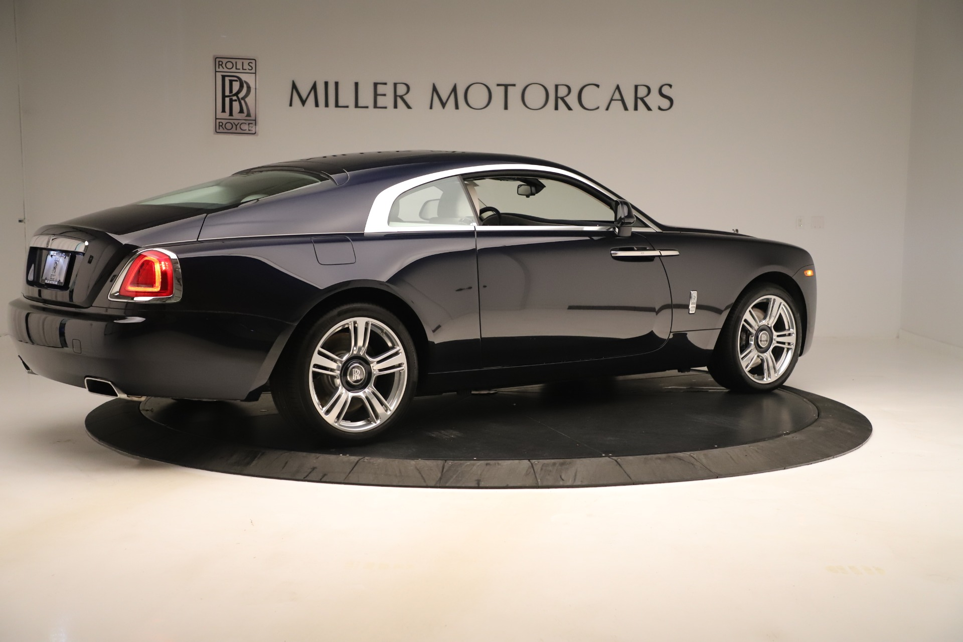 Used 2015 Rolls-Royce Wraith  For Sale In Greenwich, CT 3473_p9
