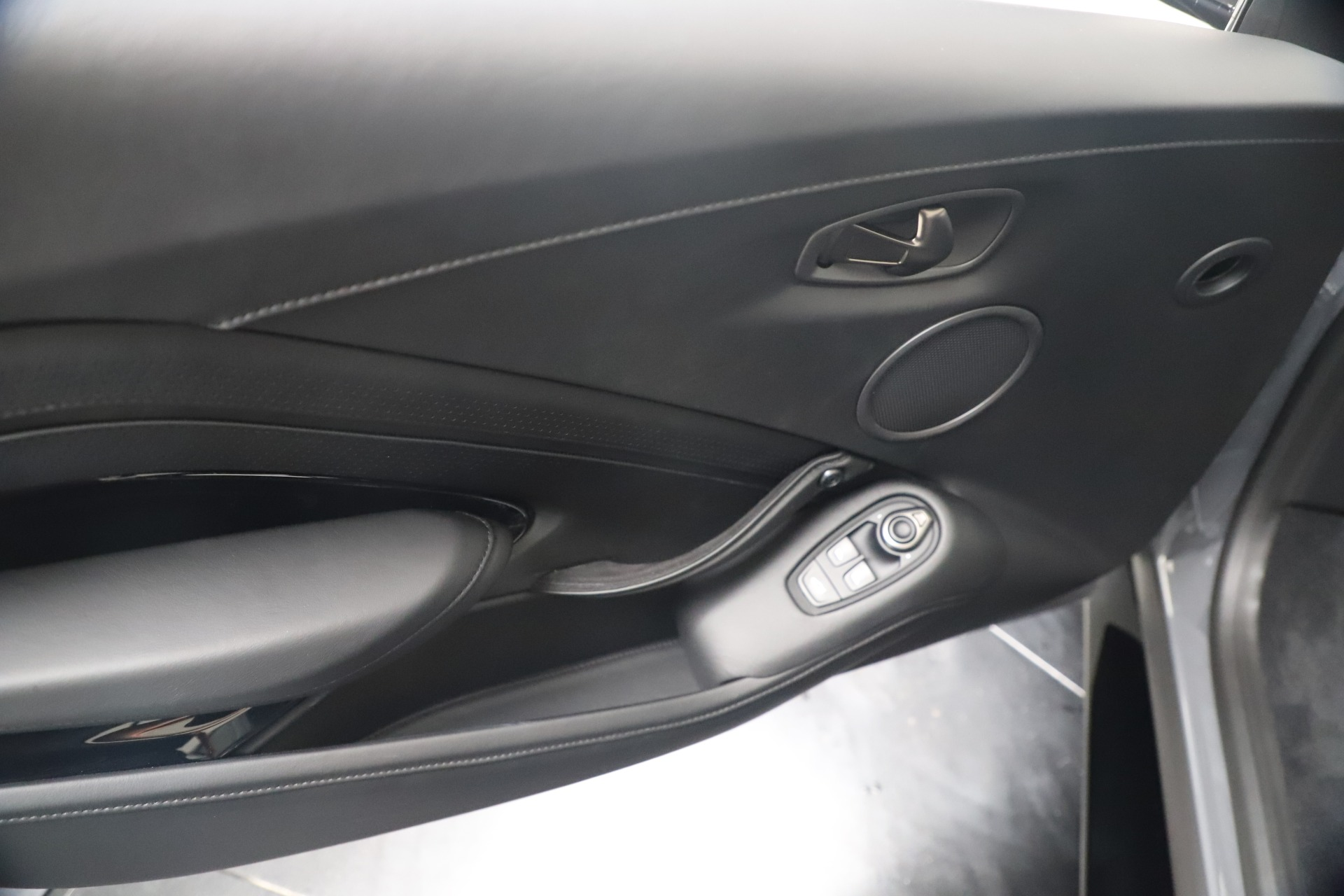 New 2020 Aston Martin Vantage V8 For Sale In Greenwich, CT 3482_p32