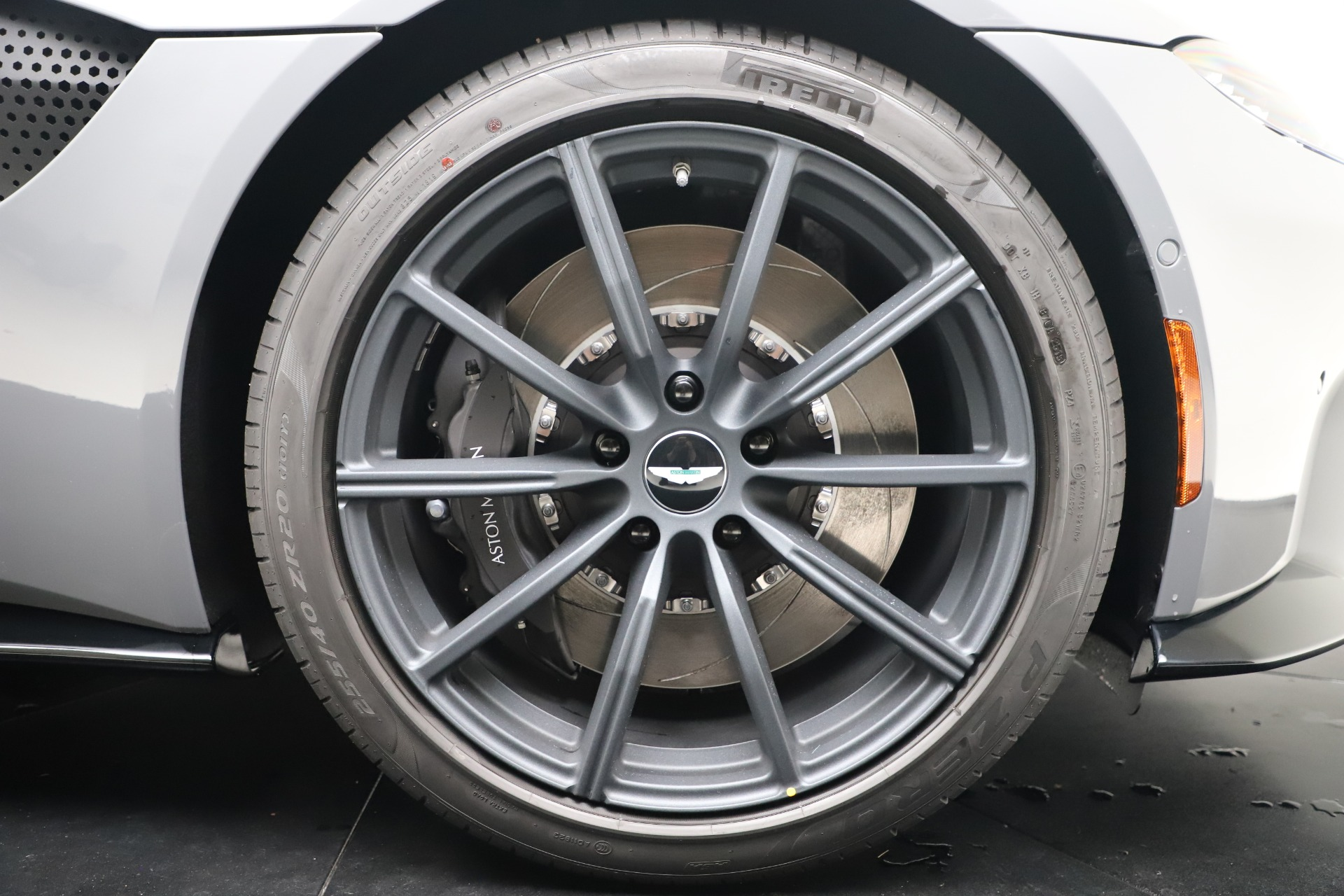 New 2020 Aston Martin Vantage V8 For Sale In Greenwich, CT 3482_p41