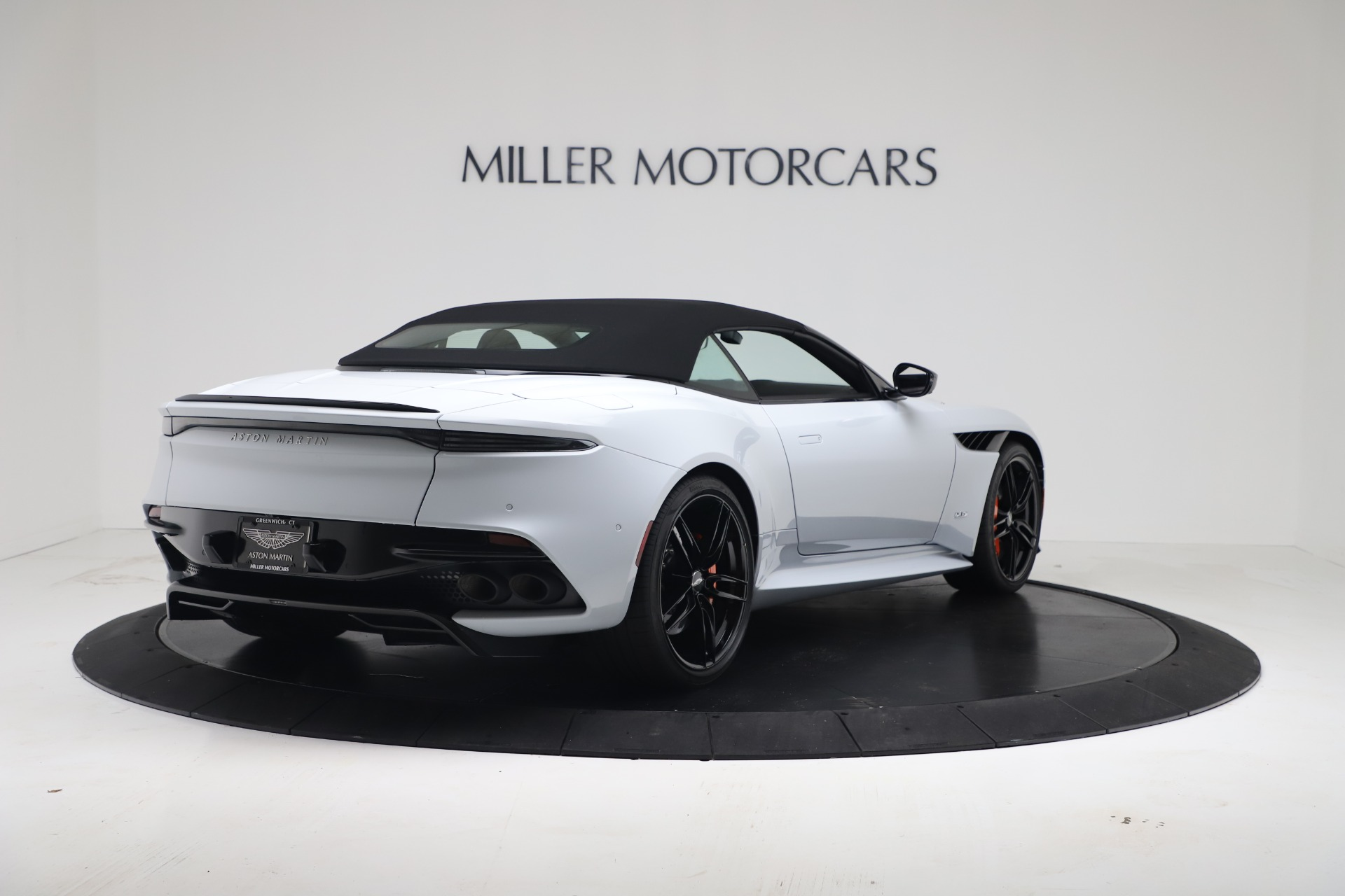 New 2020 Aston Martin DBS Superleggera For Sale In Greenwich, CT 3484_p16