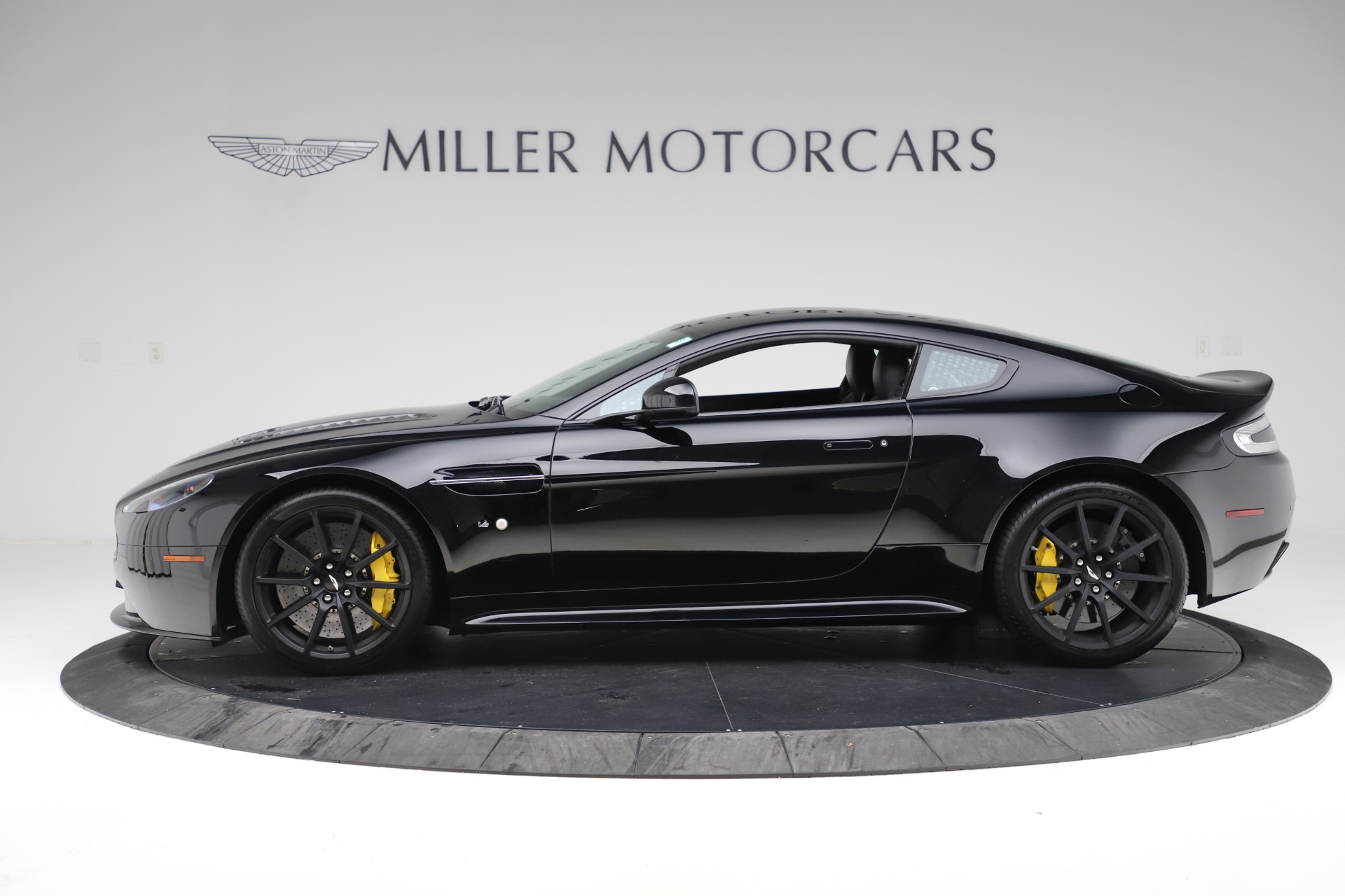 Used 2015 Aston Martin V12 Vantage S Coupe For Sale In Greenwich, CT 3513_p3