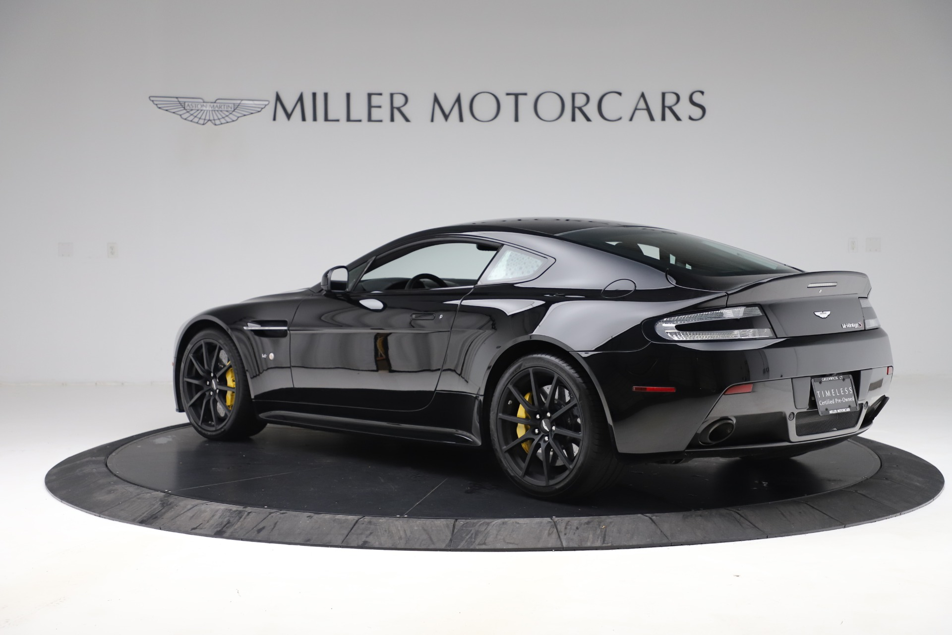Used 2015 Aston Martin V12 Vantage S Coupe For Sale In Greenwich, CT 3513_p4