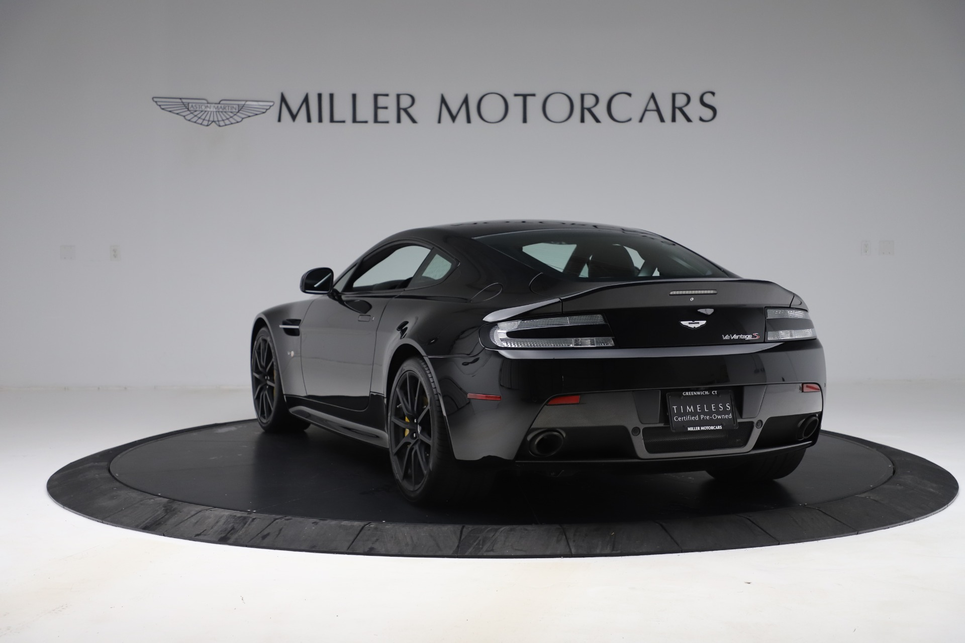 Used 2015 Aston Martin V12 Vantage S Coupe For Sale In Greenwich, CT 3513_p5