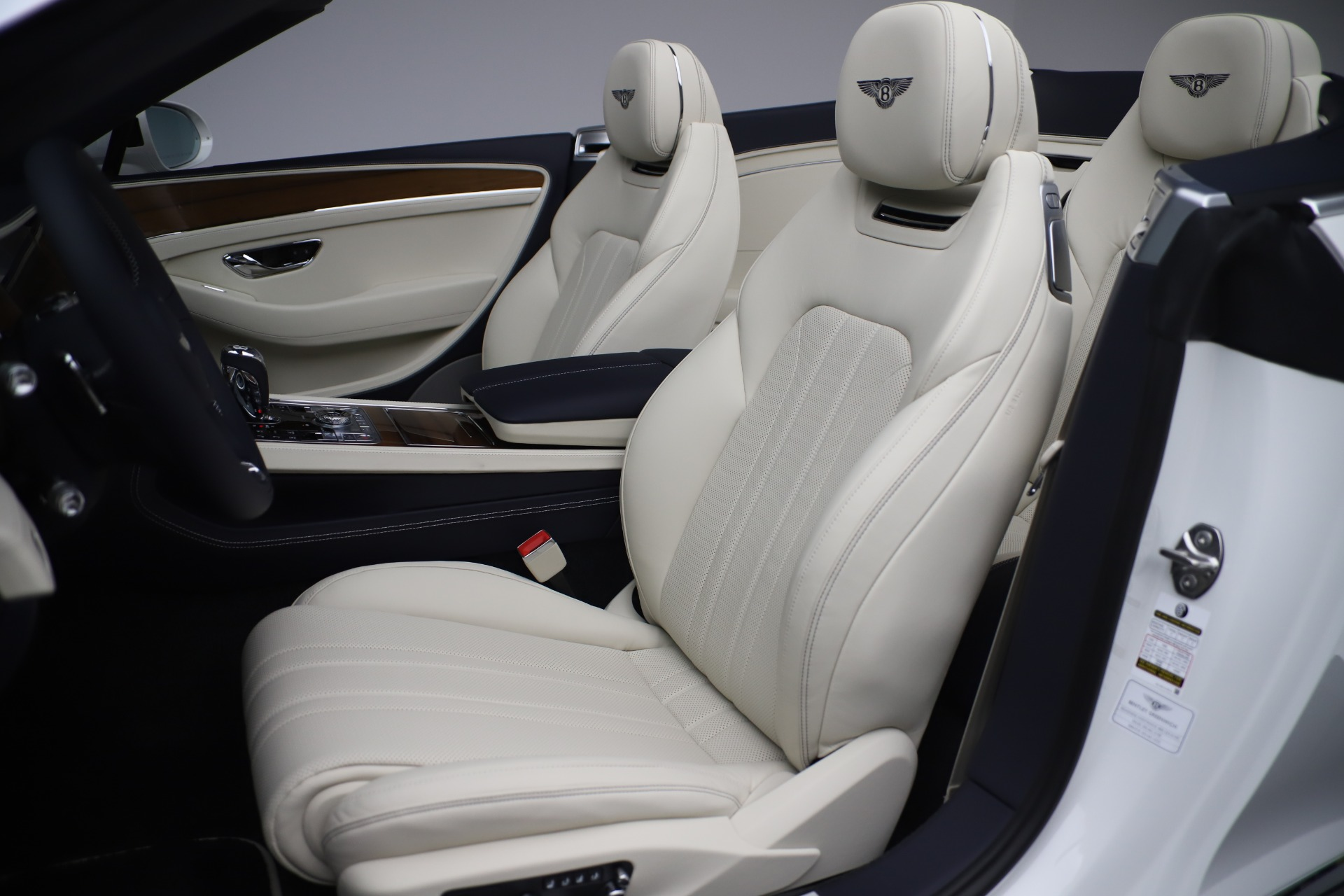 New 2020 Bentley Continental GTC V8 For Sale In Greenwich, CT 3516_p25