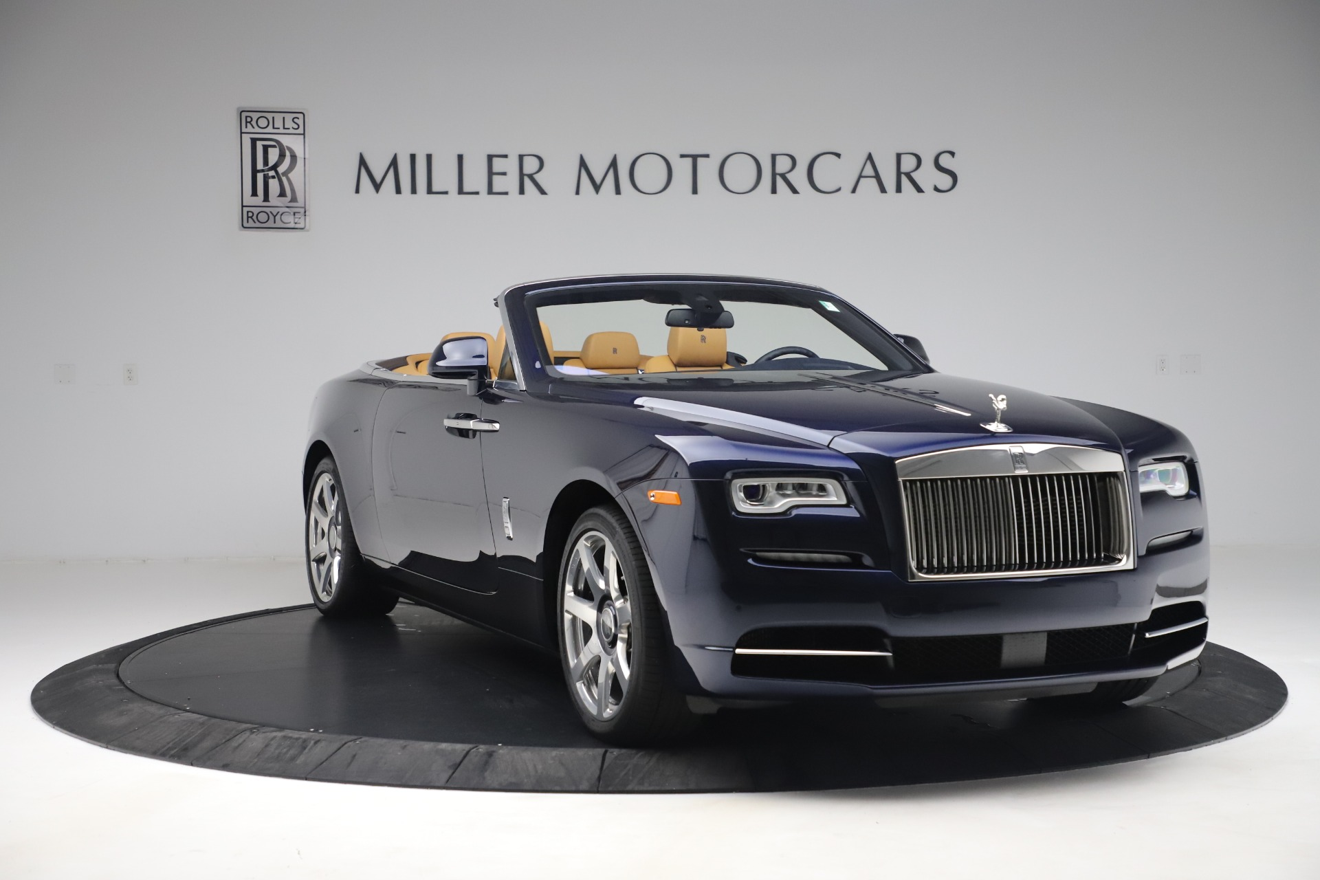 Used 2017 Rolls-Royce Dawn  For Sale In Greenwich, CT 3519_p12