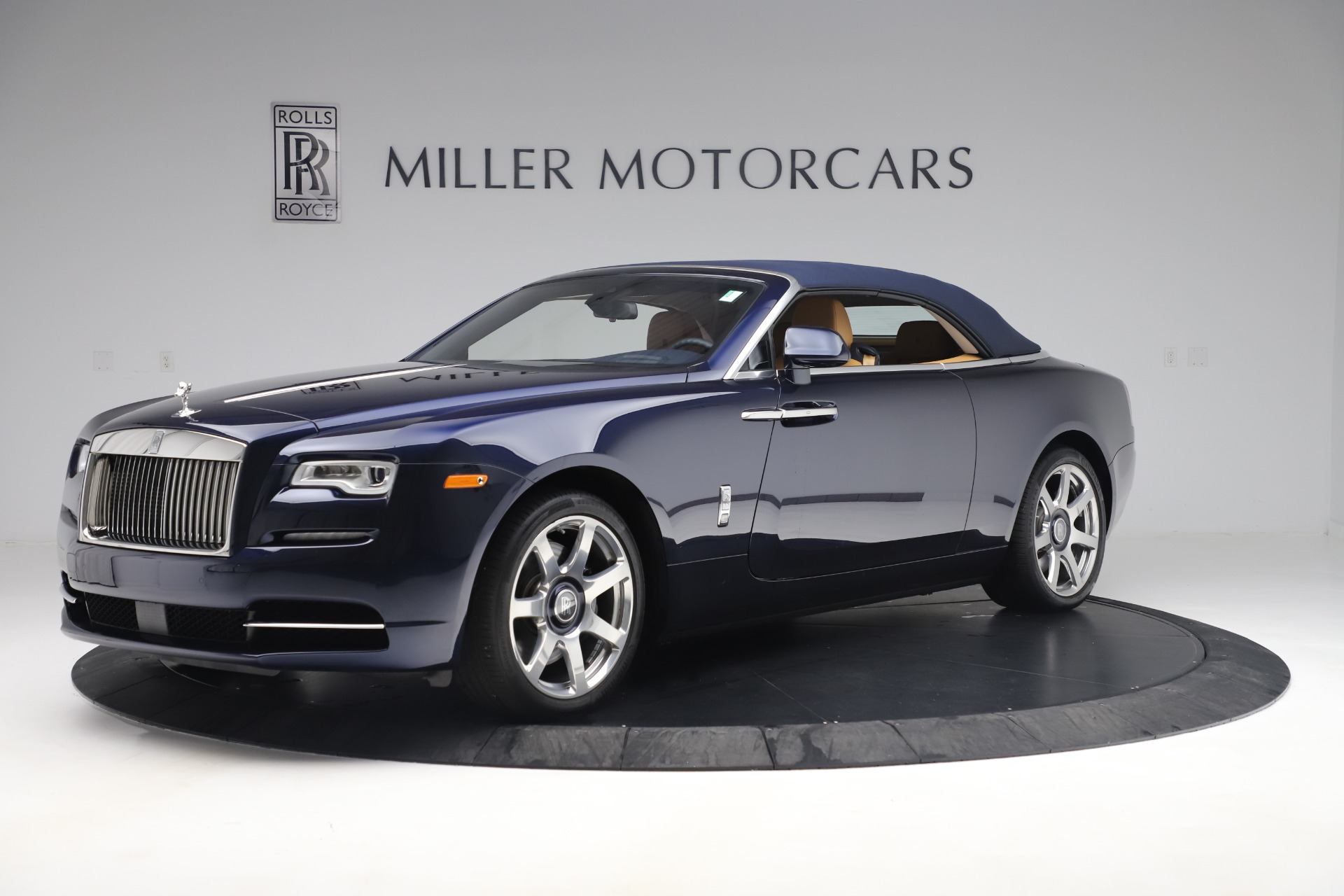 Used 2017 Rolls-Royce Dawn  For Sale In Greenwich, CT 3519_p13