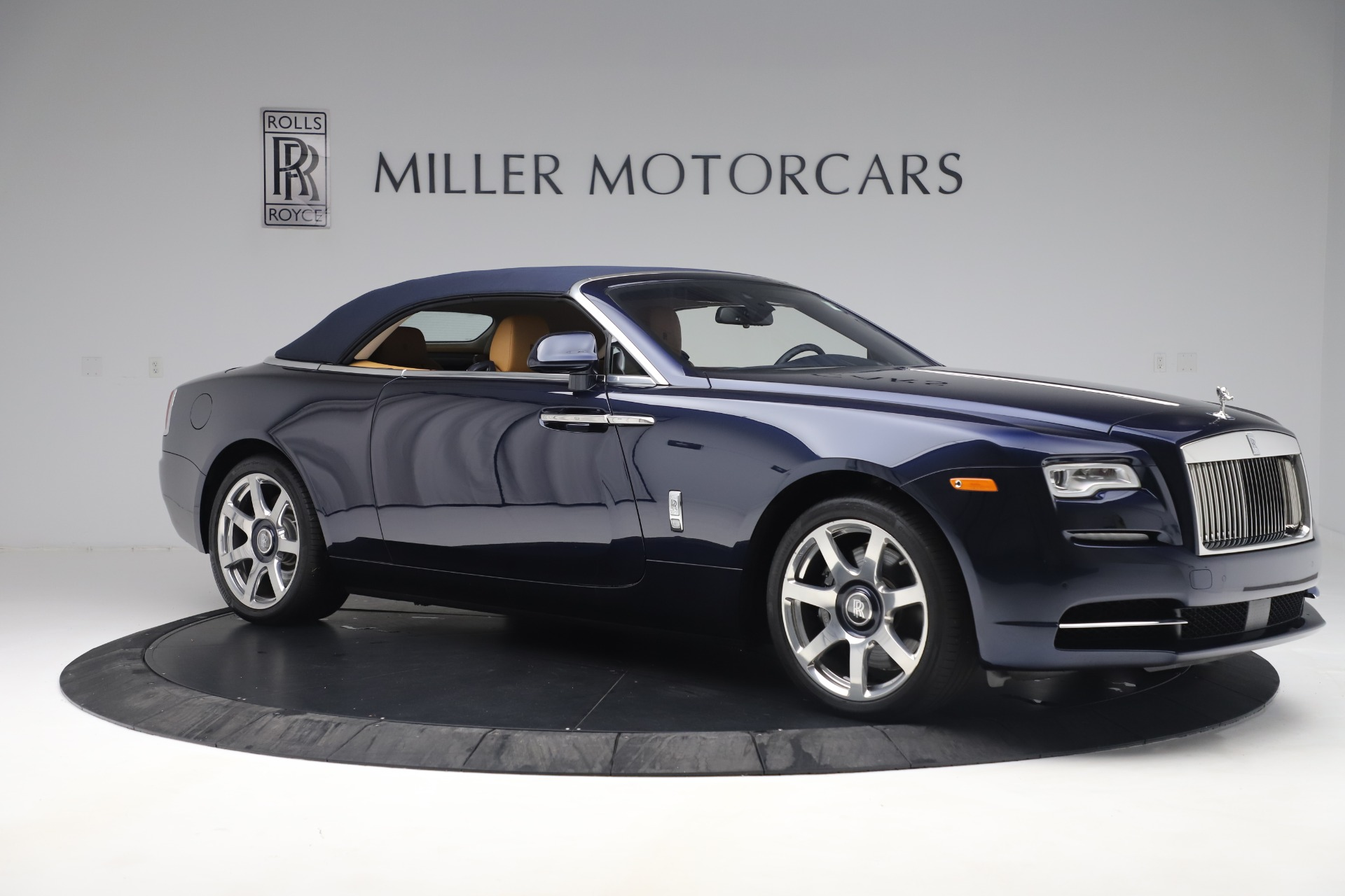 Used 2017 Rolls-Royce Dawn  For Sale In Greenwich, CT 3519_p17