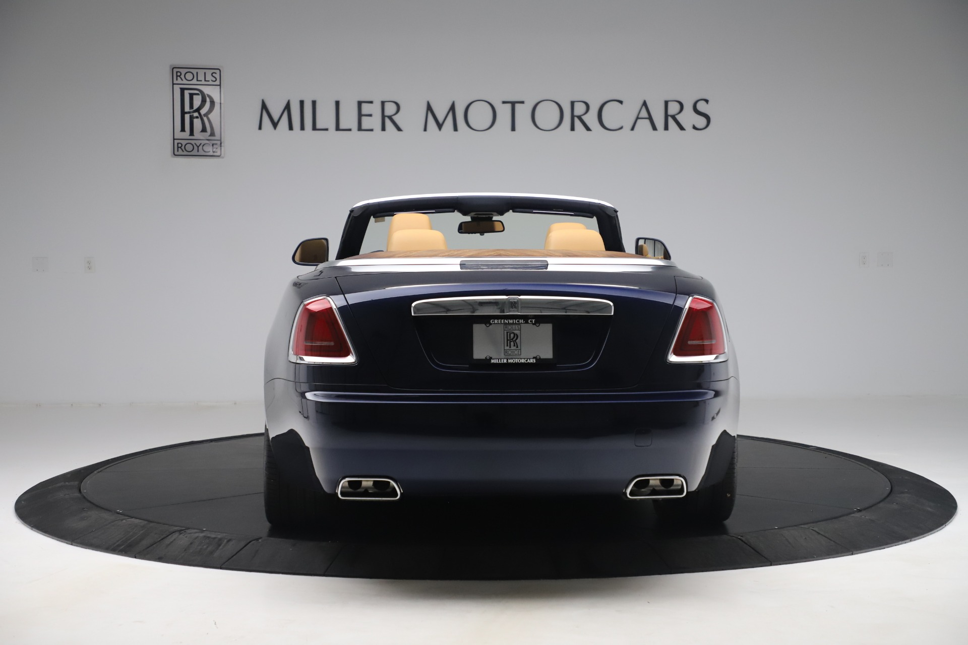 Used 2017 Rolls-Royce Dawn  For Sale In Greenwich, CT 3519_p7