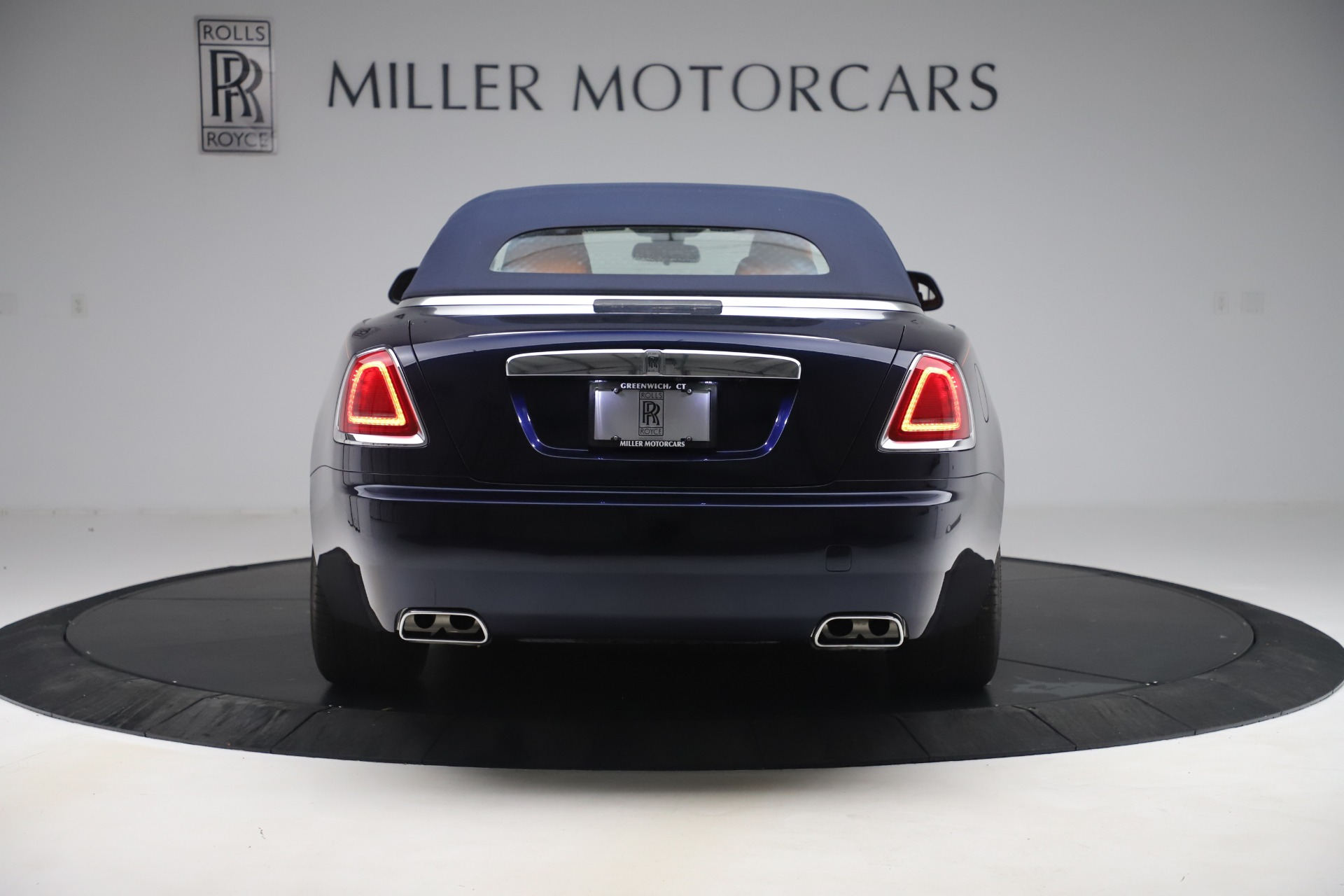 Used 2017 Rolls-Royce Dawn  For Sale In Greenwich, CT 3520_p14