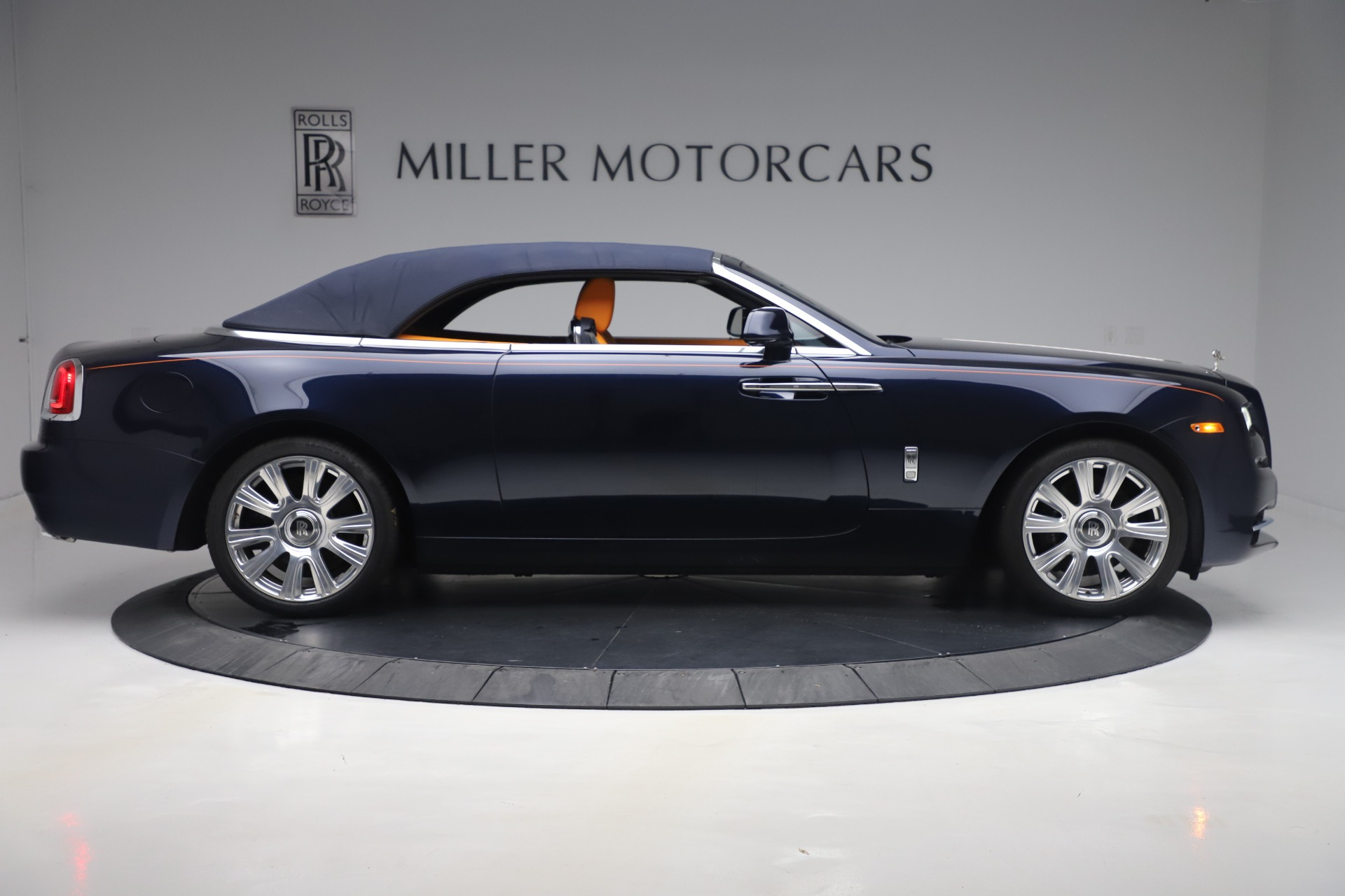 Used 2017 Rolls-Royce Dawn  For Sale In Greenwich, CT 3520_p16