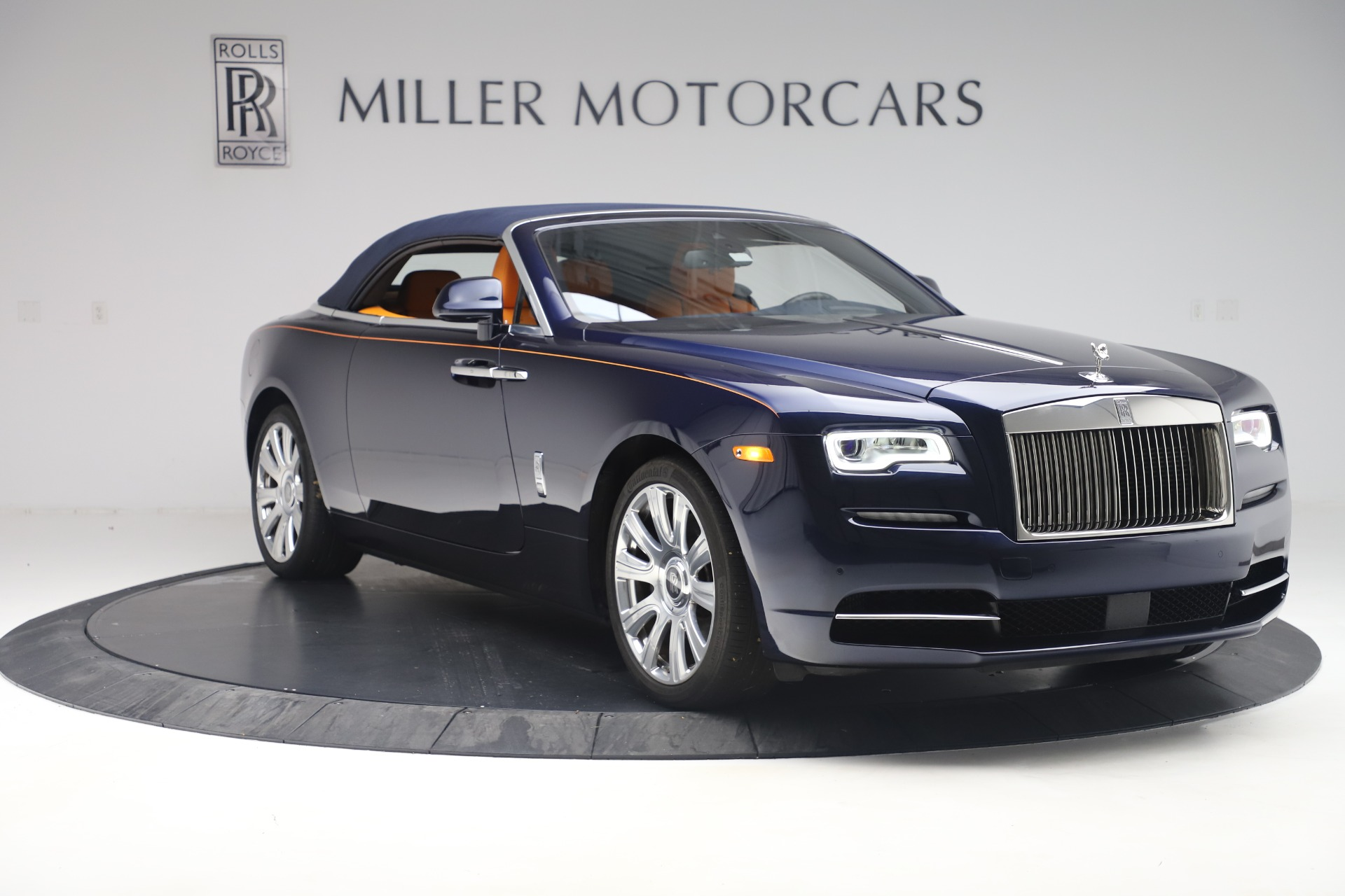 Used 2017 Rolls-Royce Dawn  For Sale In Greenwich, CT 3520_p17