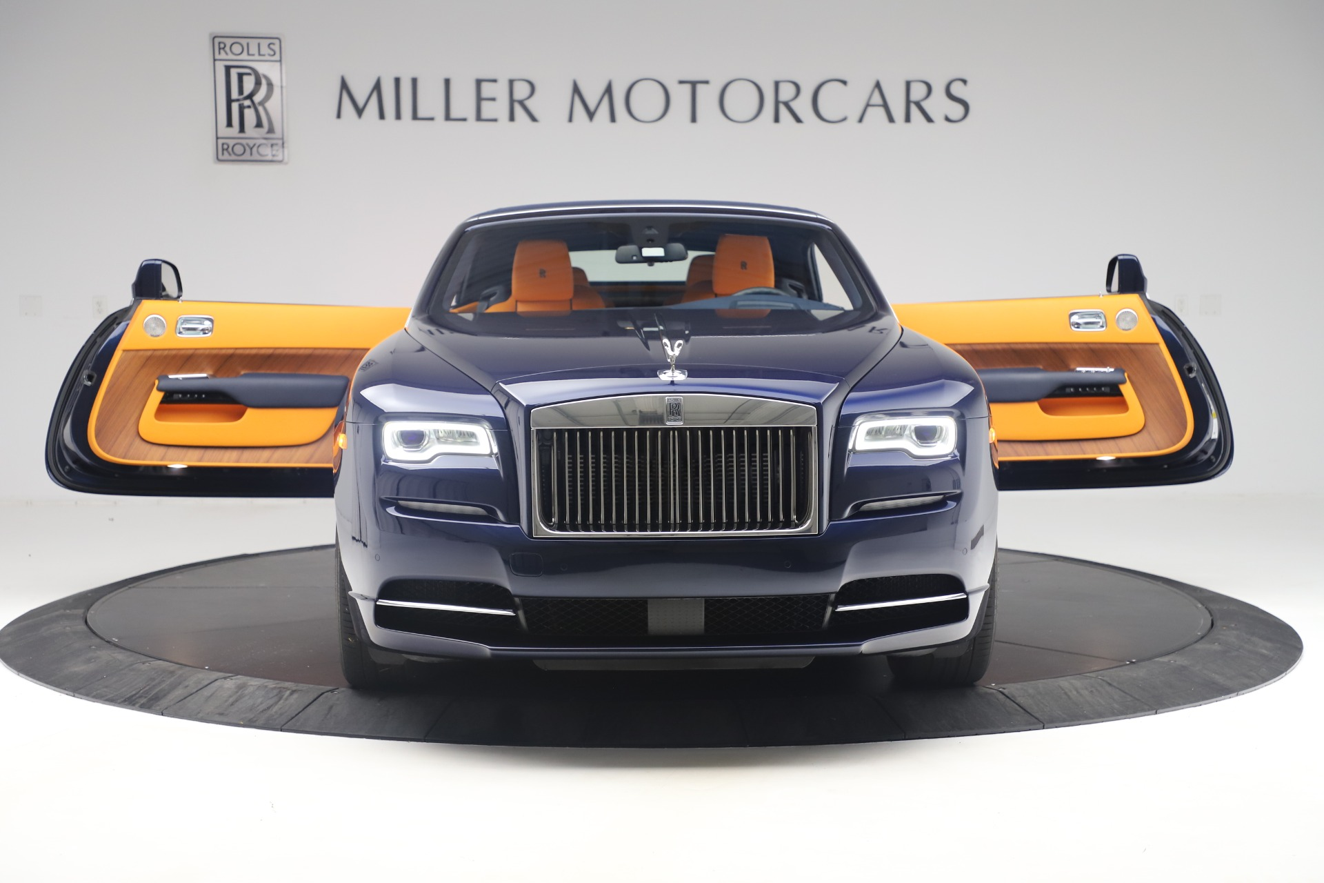 Used 2017 Rolls-Royce Dawn  For Sale In Greenwich, CT 3520_p18