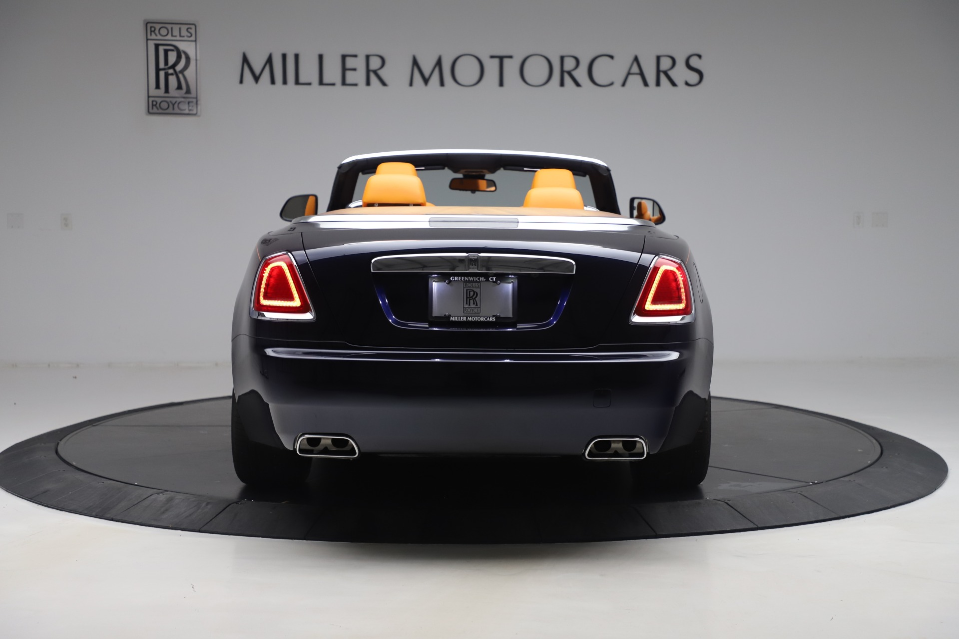 Used 2017 Rolls-Royce Dawn  For Sale In Greenwich, CT 3520_p5