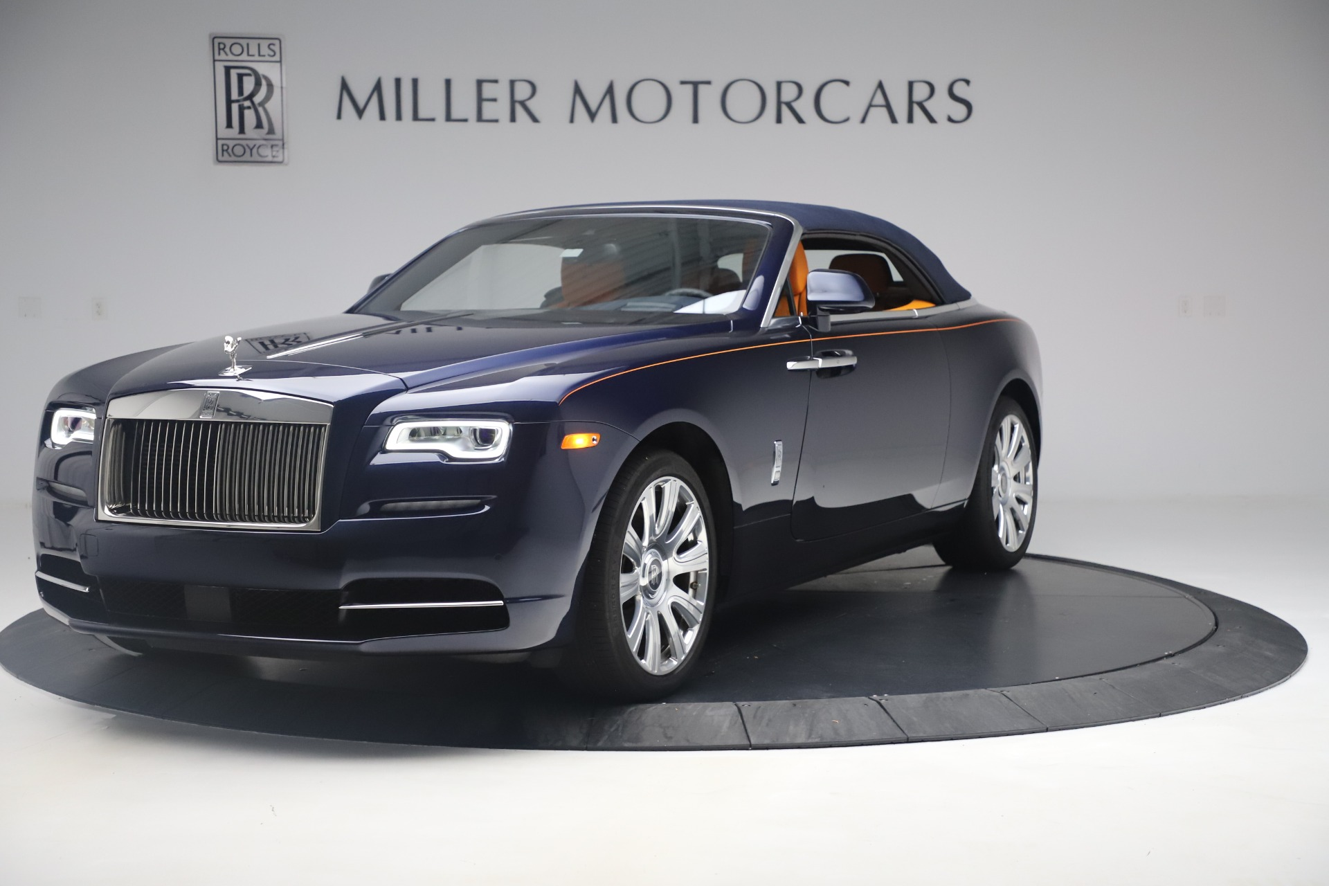 Used 2017 Rolls-Royce Dawn  For Sale In Greenwich, CT 3520_p9