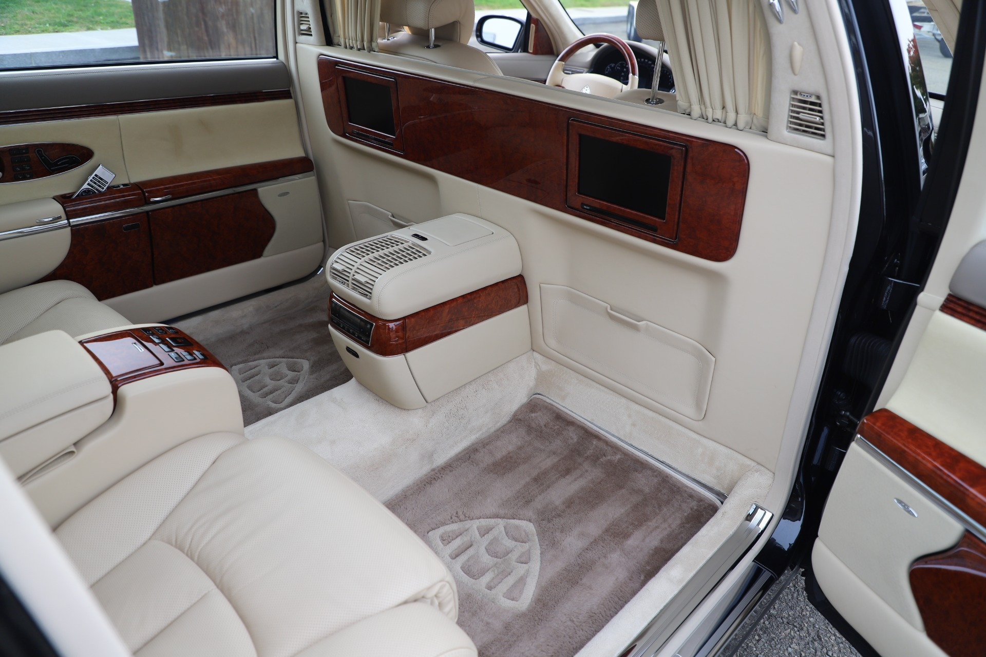 Used 2009 Maybach 62  For Sale In Greenwich, CT 3521_p23