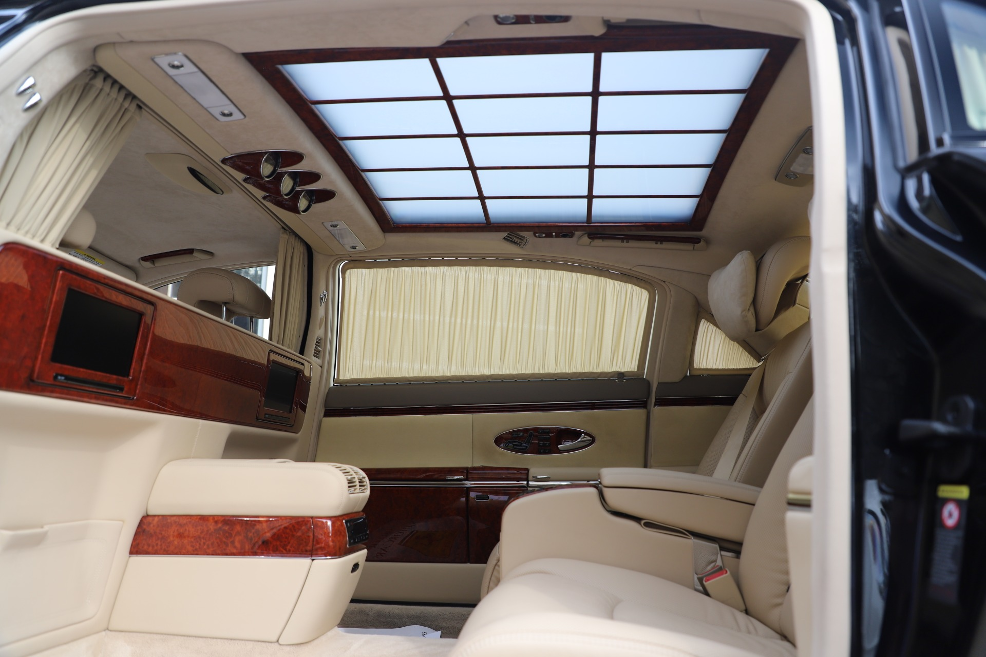 Used 2009 Maybach 62  For Sale In Greenwich, CT 3521_p31