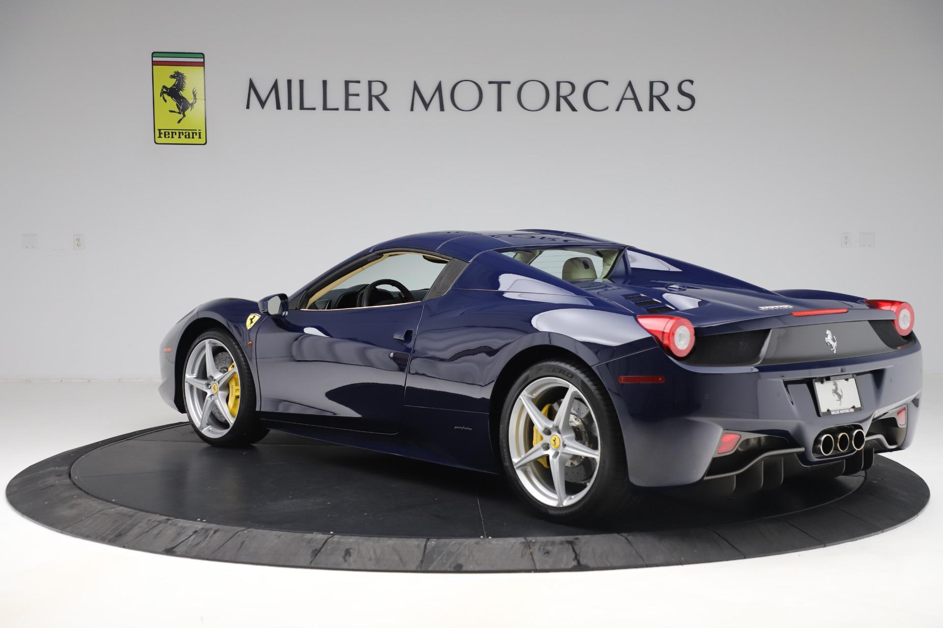Used 2013 Ferrari 458 Spider  For Sale In Greenwich, CT 3525_p15