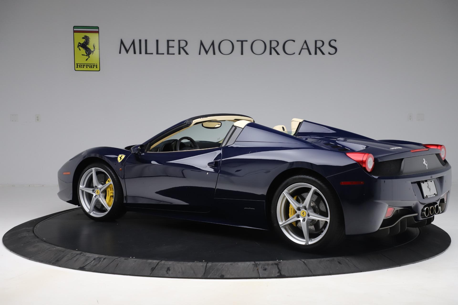 Used 2013 Ferrari 458 Spider  For Sale In Greenwich, CT 3525_p4