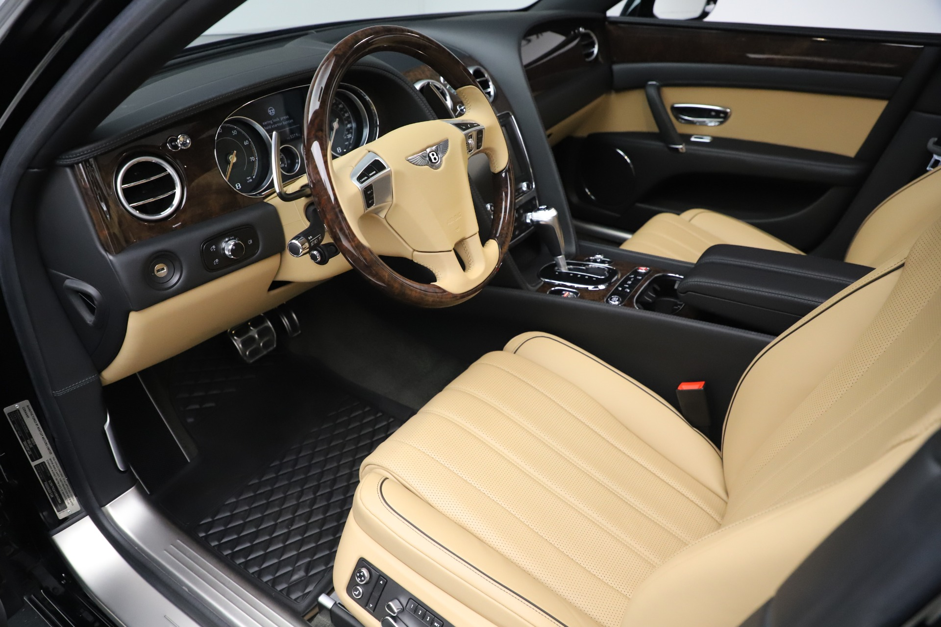 Used 2016 Bentley Flying Spur V8 For Sale In Greenwich, CT 3526_p18